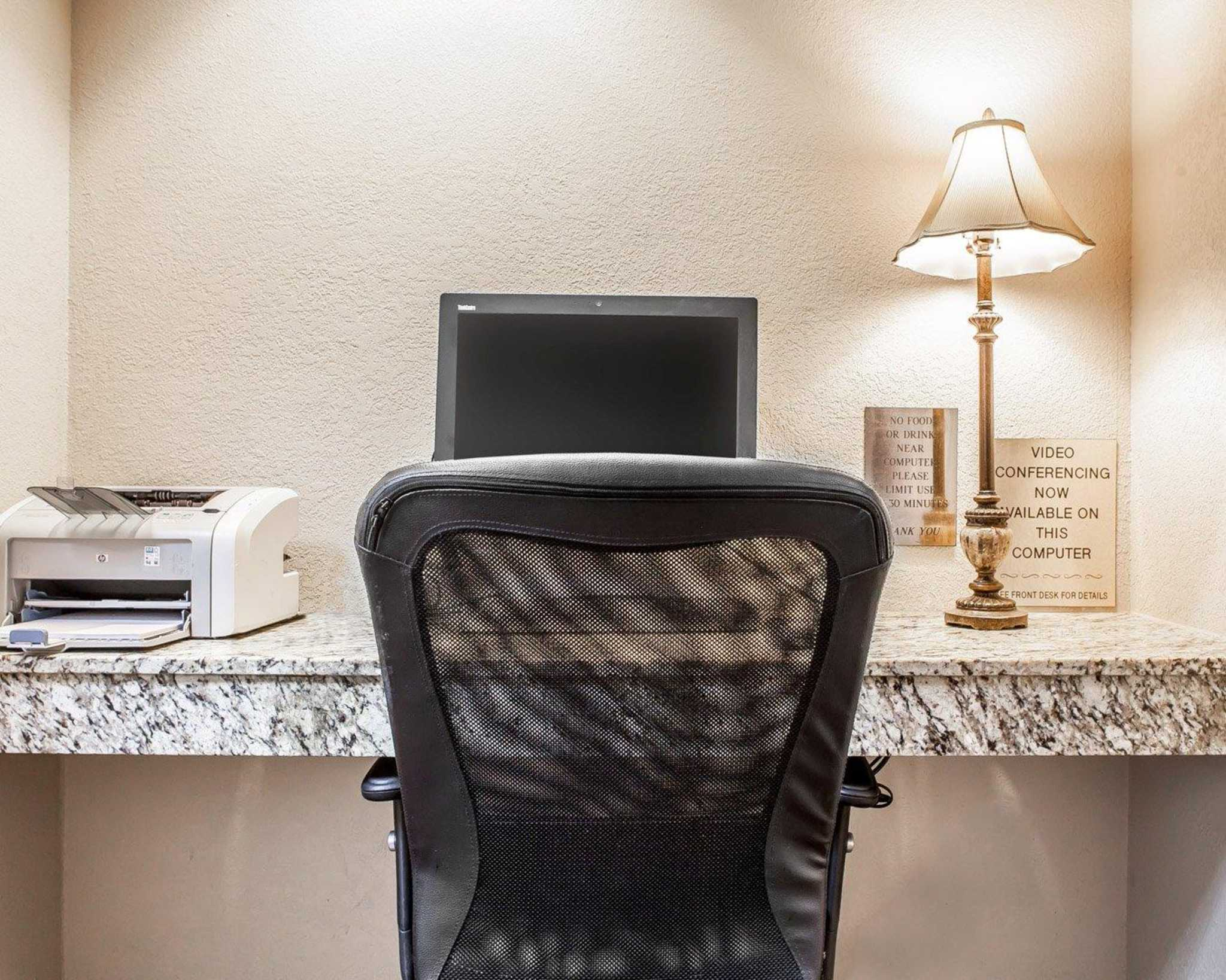 MainStay Suites Knoxville Airport image 34