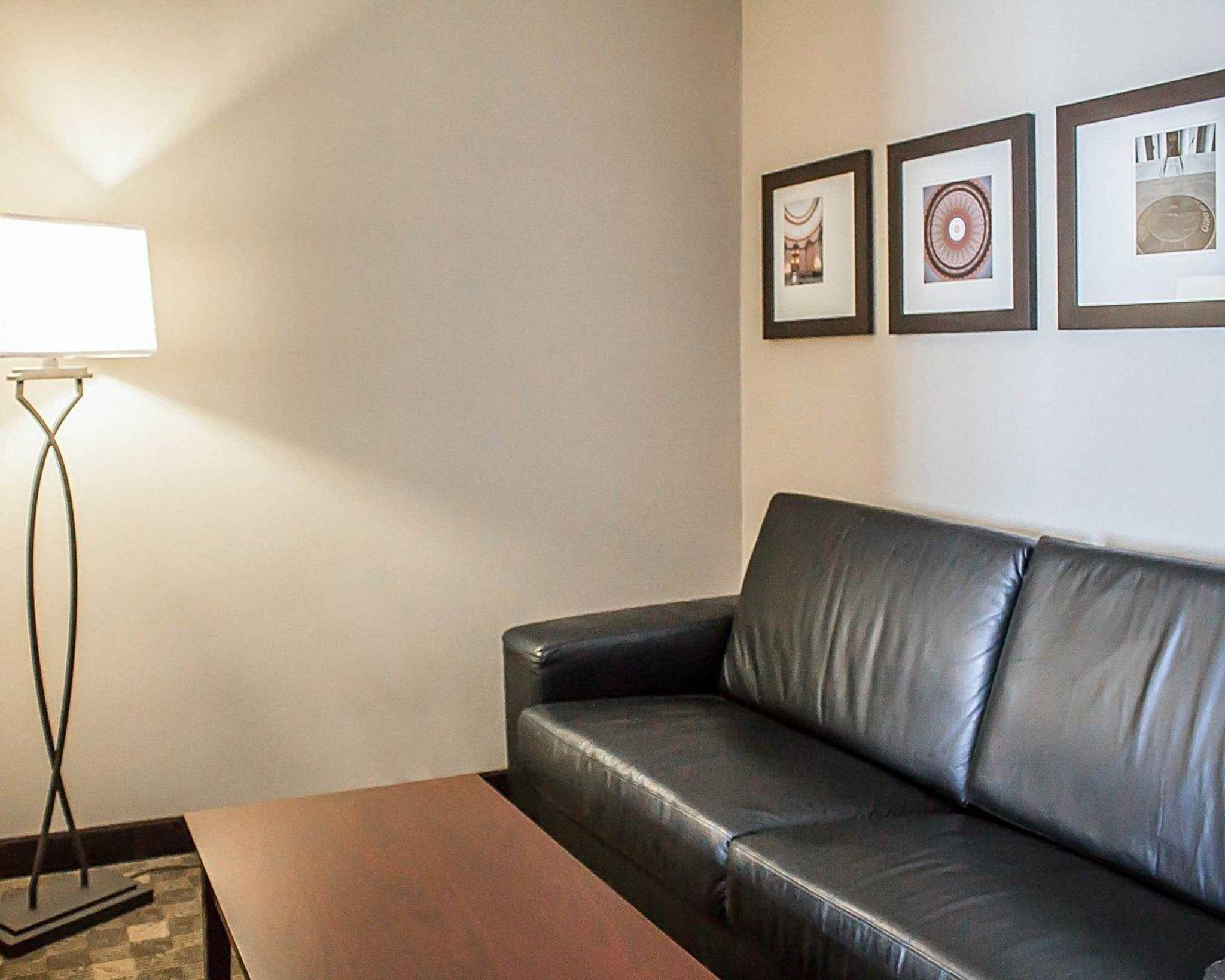 Comfort Suites Perrysburg - Toledo South image 21