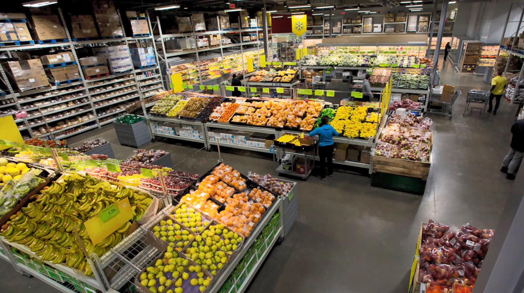 Mayrand Limitée à Anjou: Fruits & vegetables