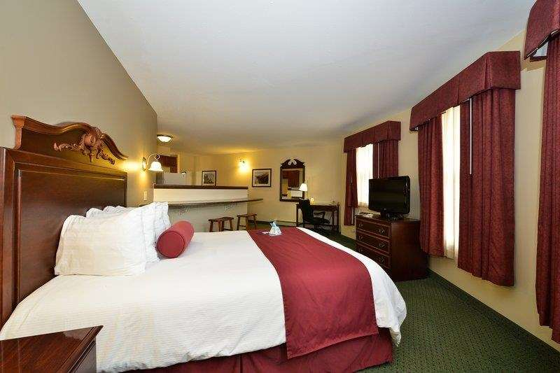 Best Western The Hotel Chequamegon image 1