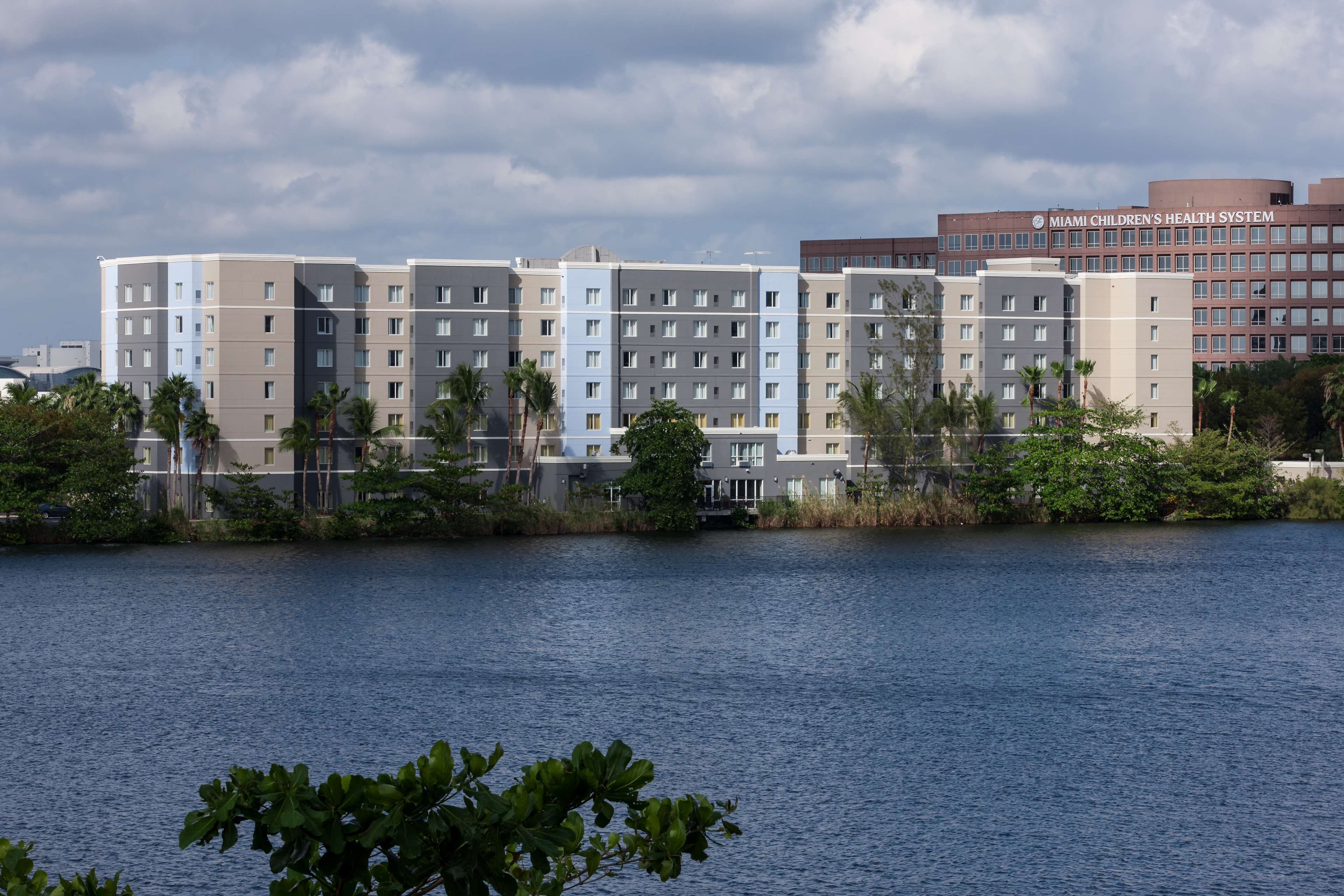 Homewood Suites by Hilton Miami-Airport/Blue Lagoon image 1
