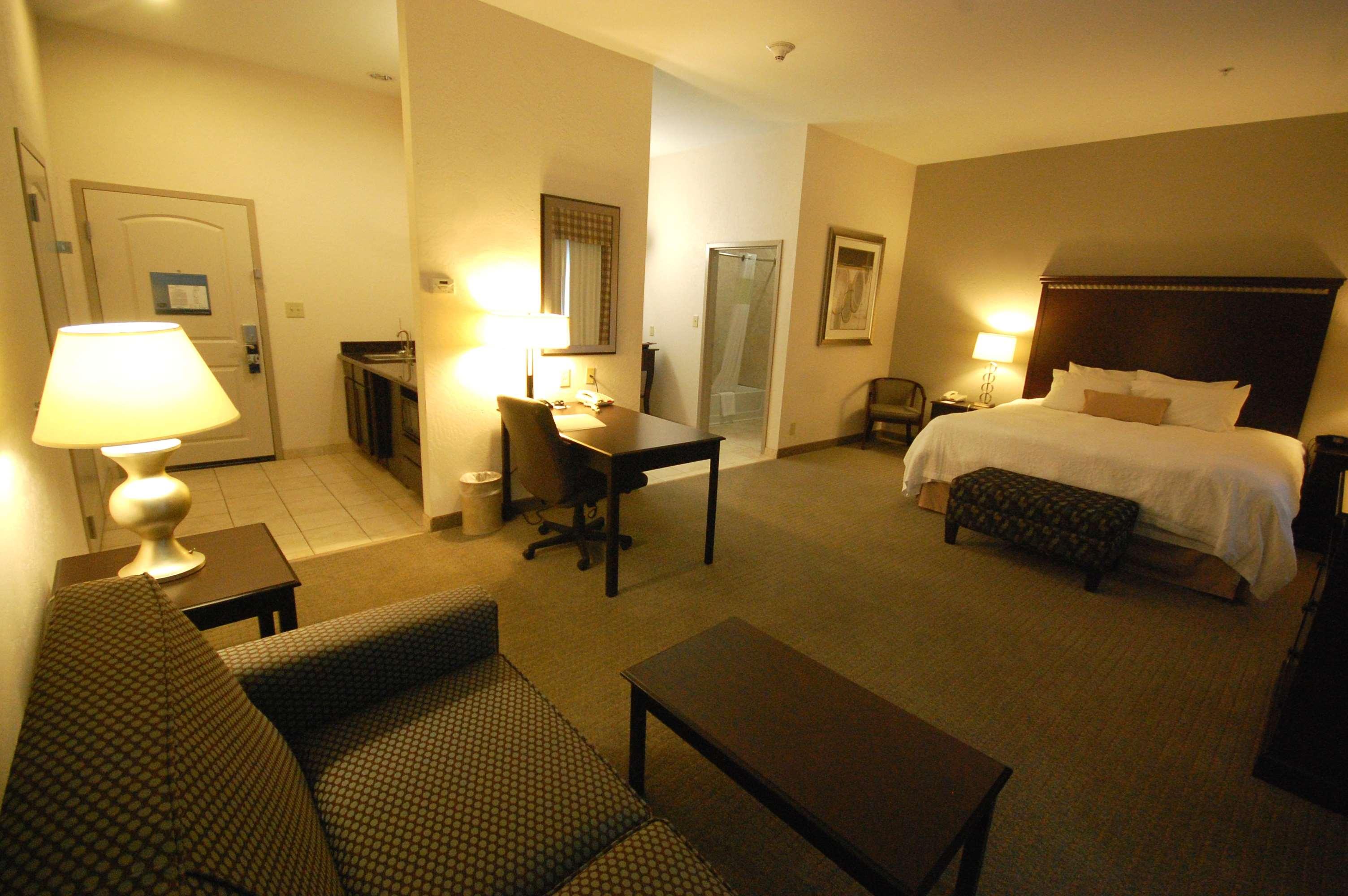 Hampton Inn & Suites Mount Pleasant image 21