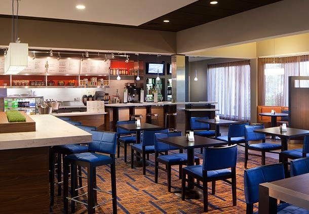 Courtyard by Marriott Miami Lakes image 9