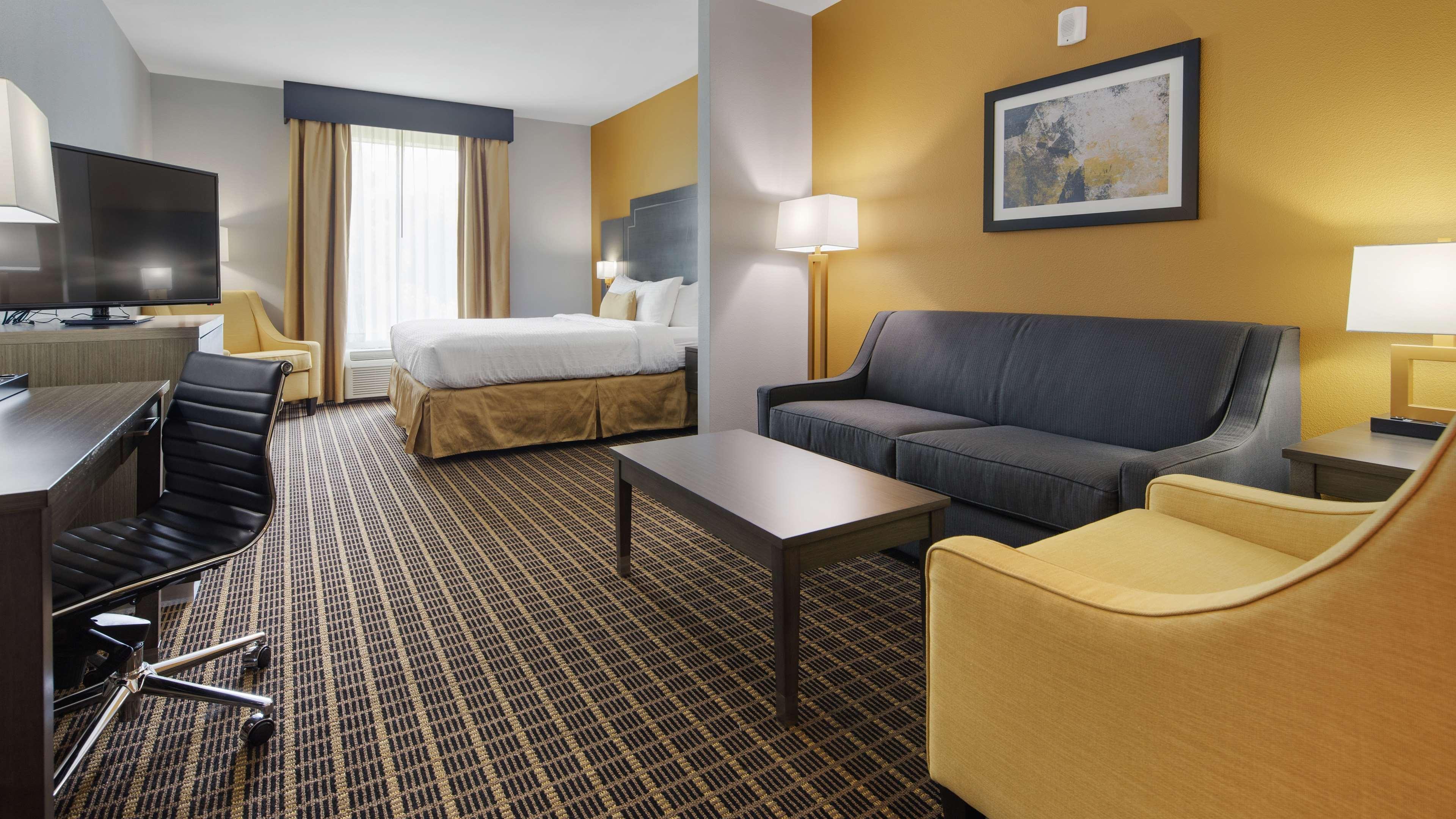 Best Western Plus Regency Park Hotel image 45