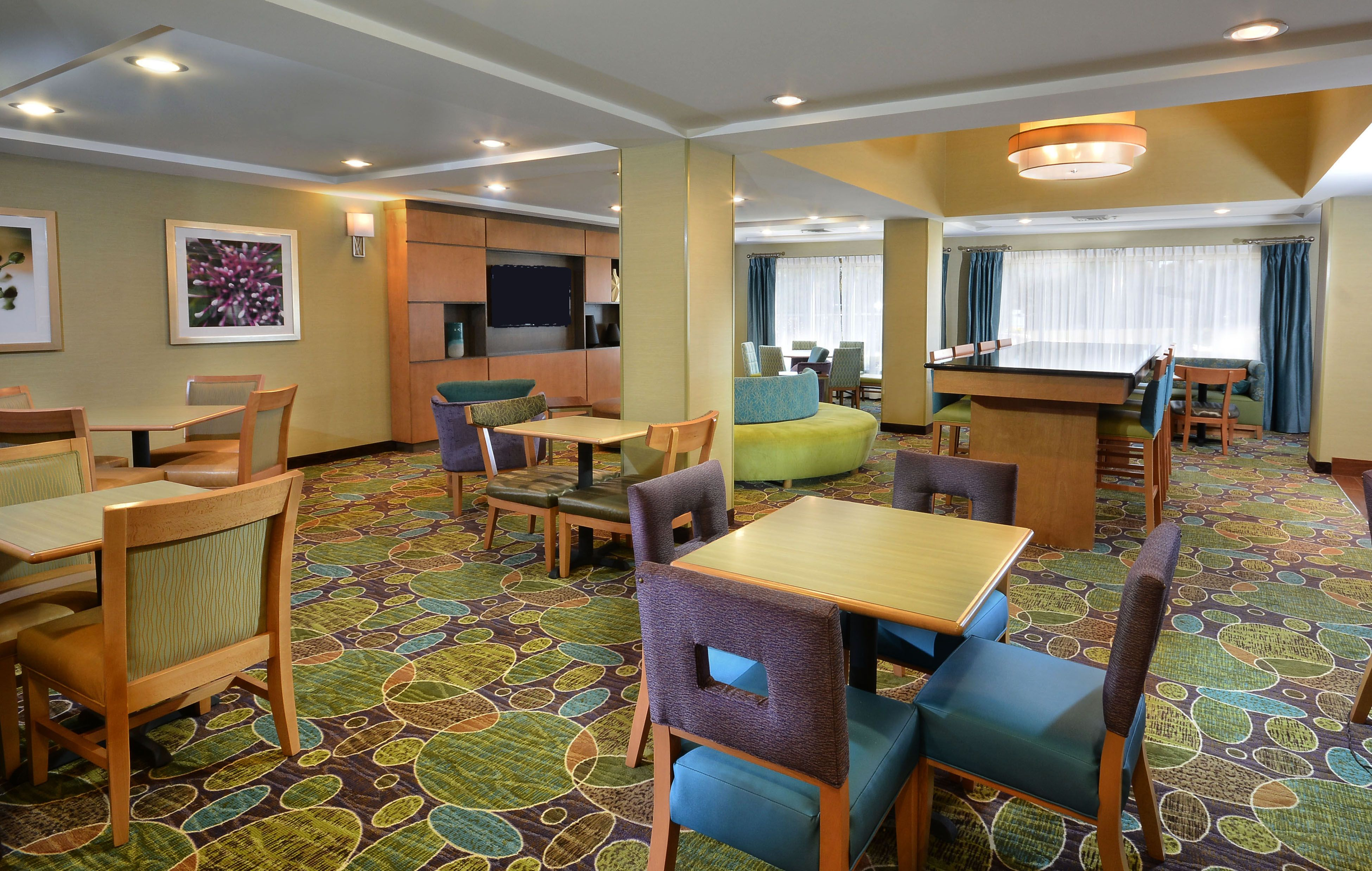 Holiday Inn Express & Suites High Point South image 5