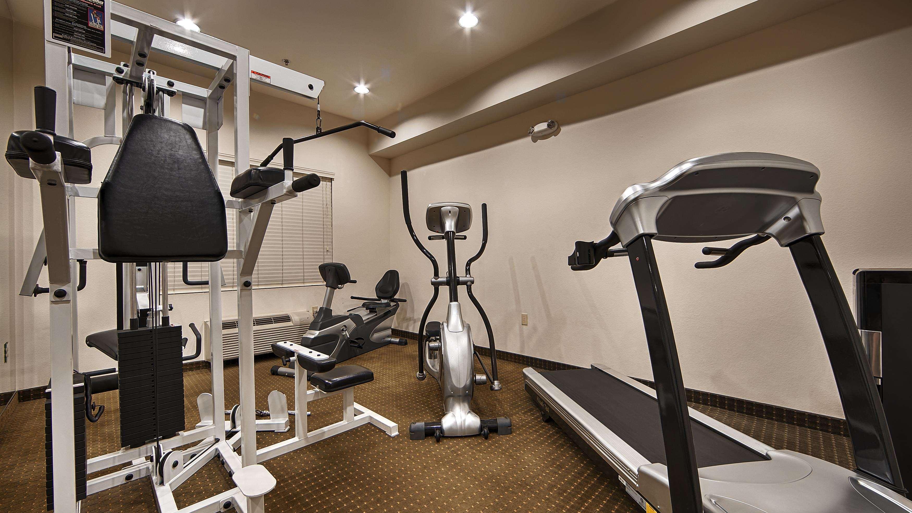 Best Western Plus Lake Elsinore Inn & Suites image 23