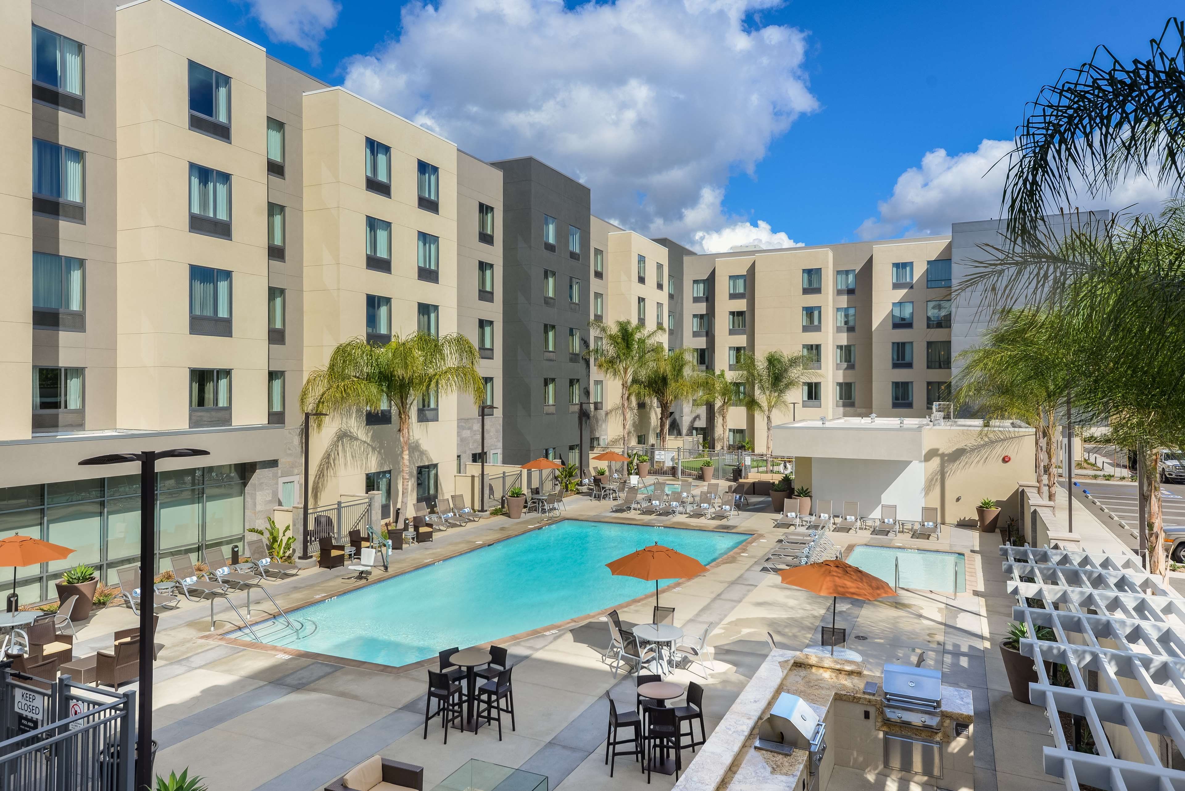 Homewood Suites by Hilton Anaheim Resort - Convention Center image 4