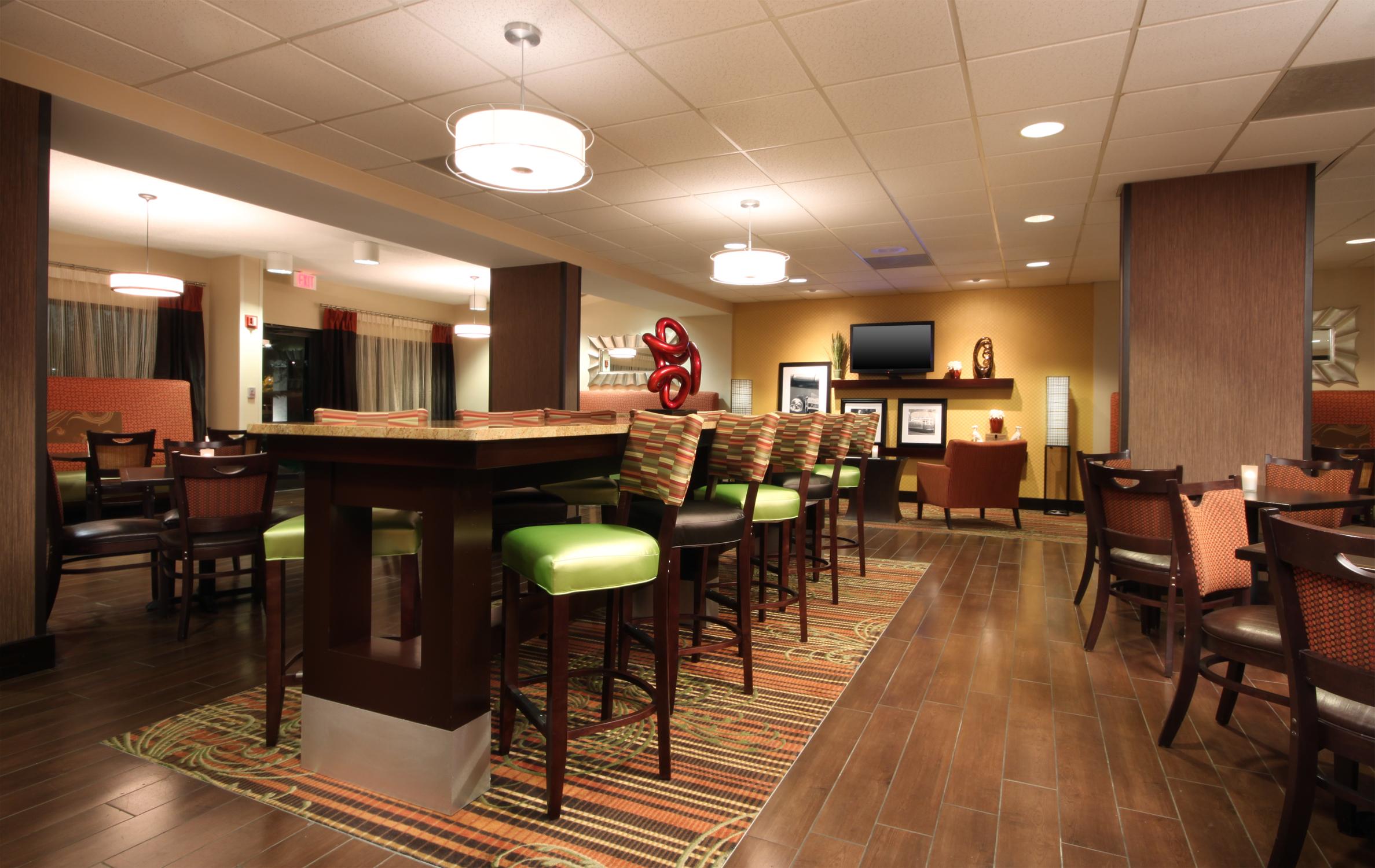 Hampton Inn Memphis-Walnut Grove/Baptist Hospital East image 2