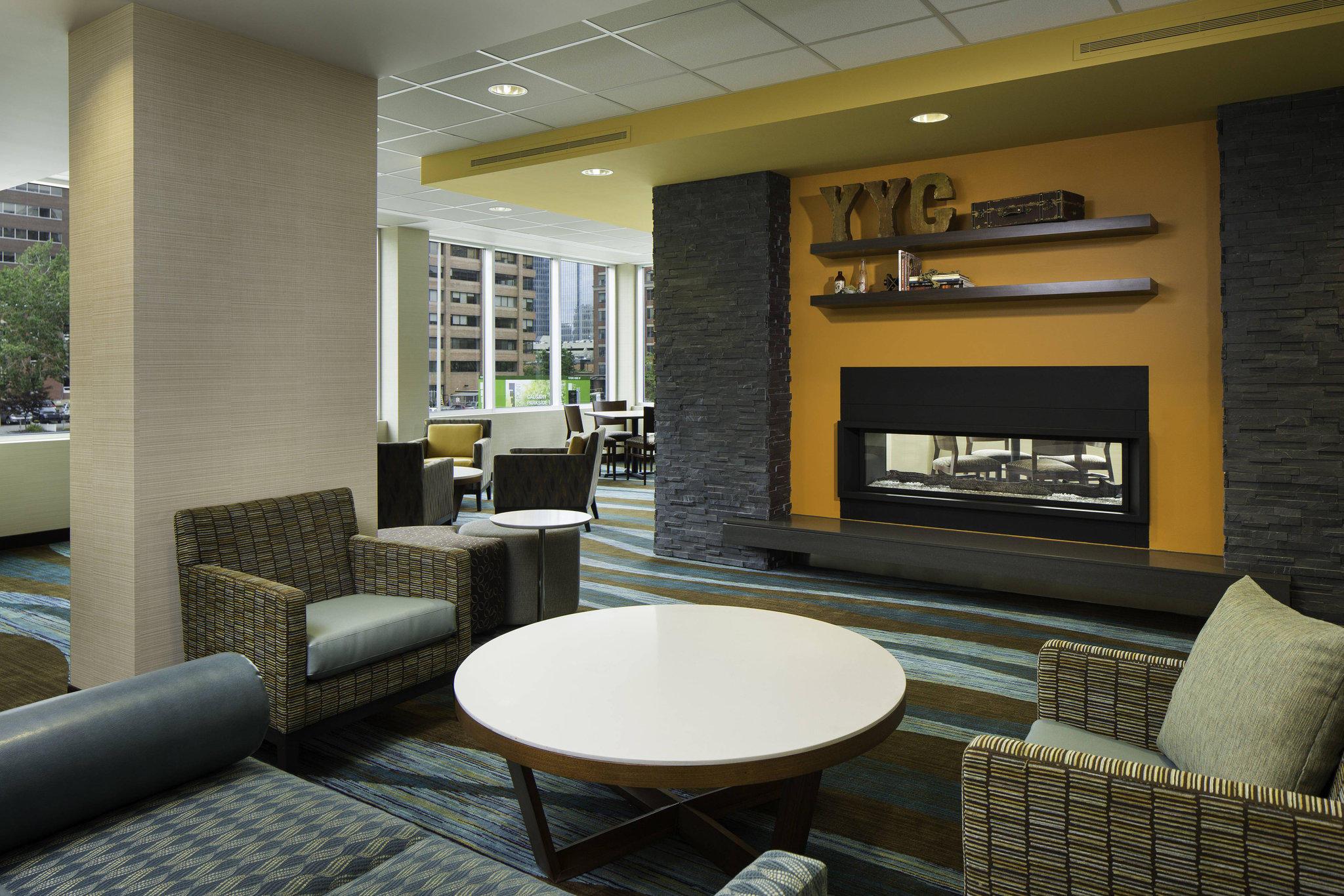 Fairfield Inn & Suites by Marriott Calgary Downtown