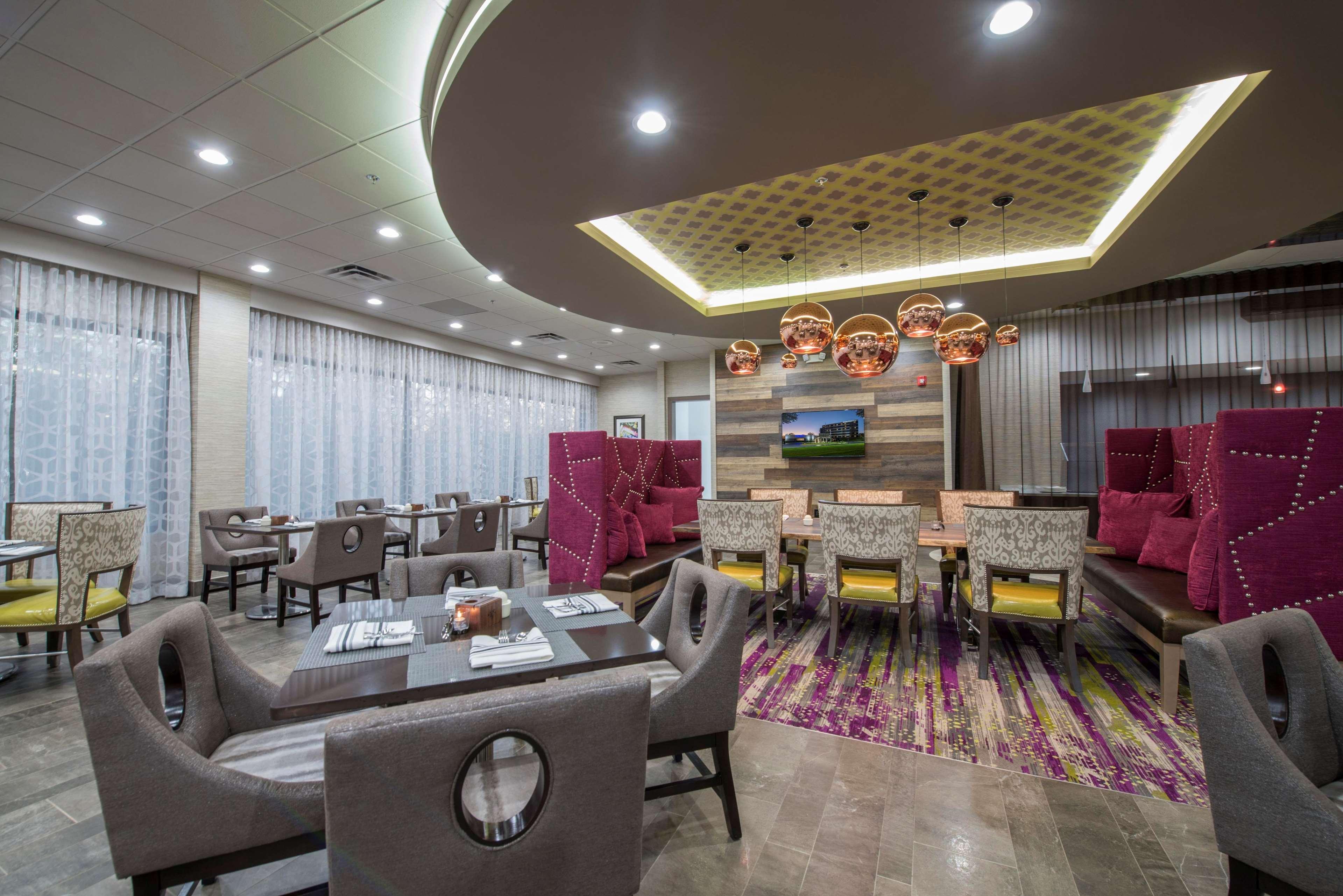 DoubleTree by Hilton Hotel Winston Salem - University image 14