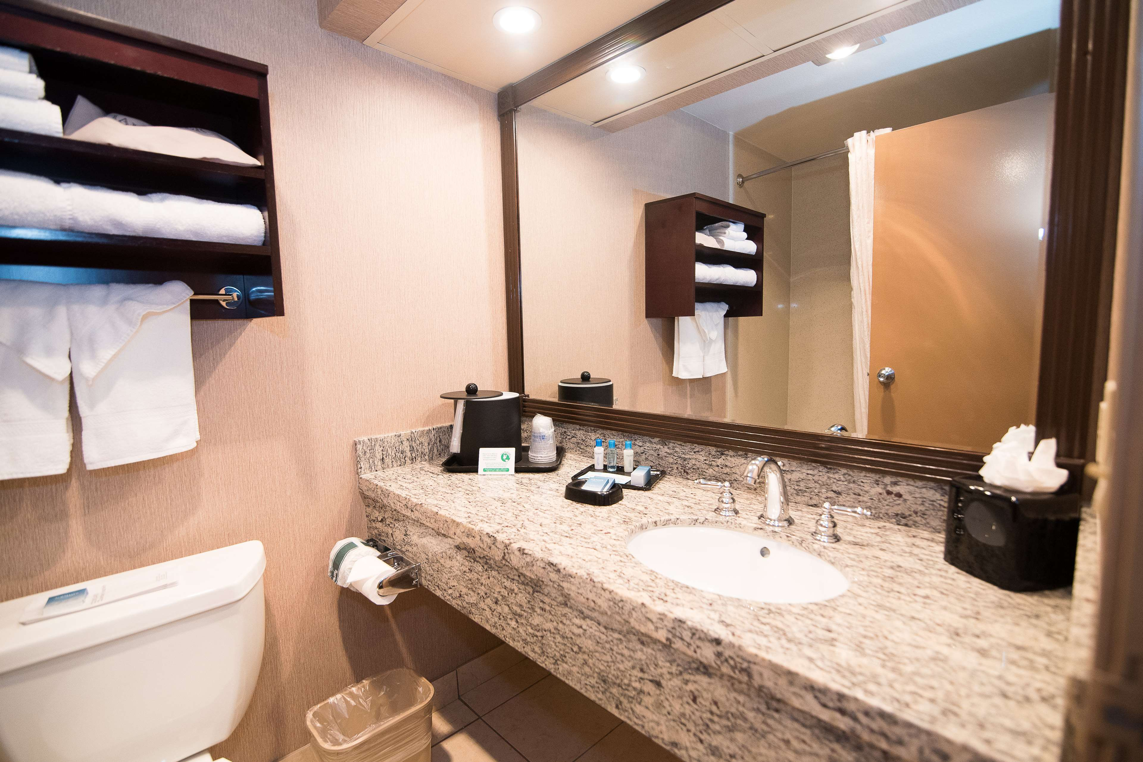 Best Western Plus Redondo Beach Inn image 19