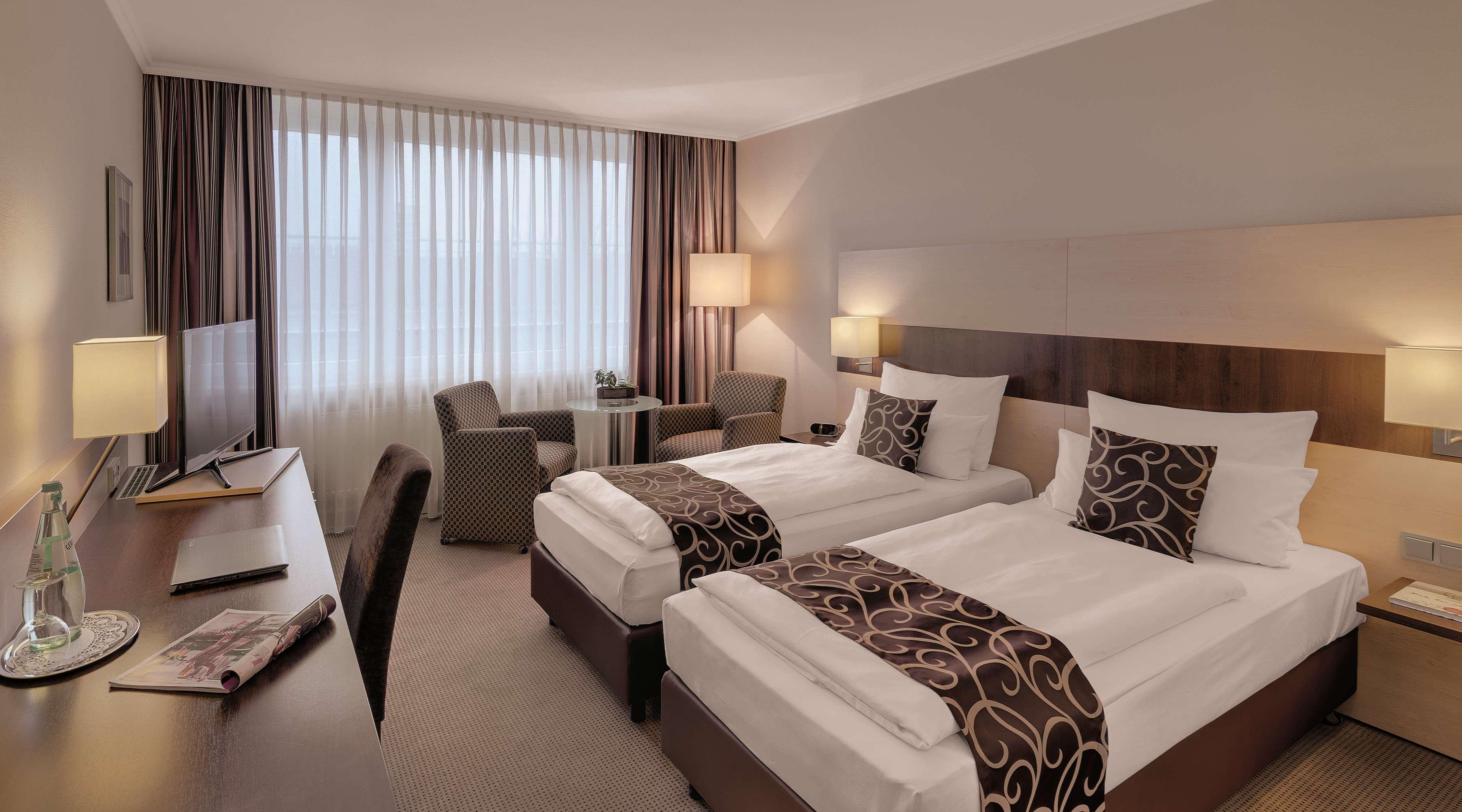 best western ffnungszeiten best western grafenstra e. Black Bedroom Furniture Sets. Home Design Ideas