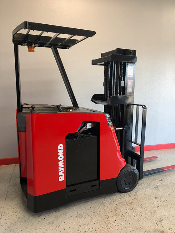 Electric Fork Lifts image 2