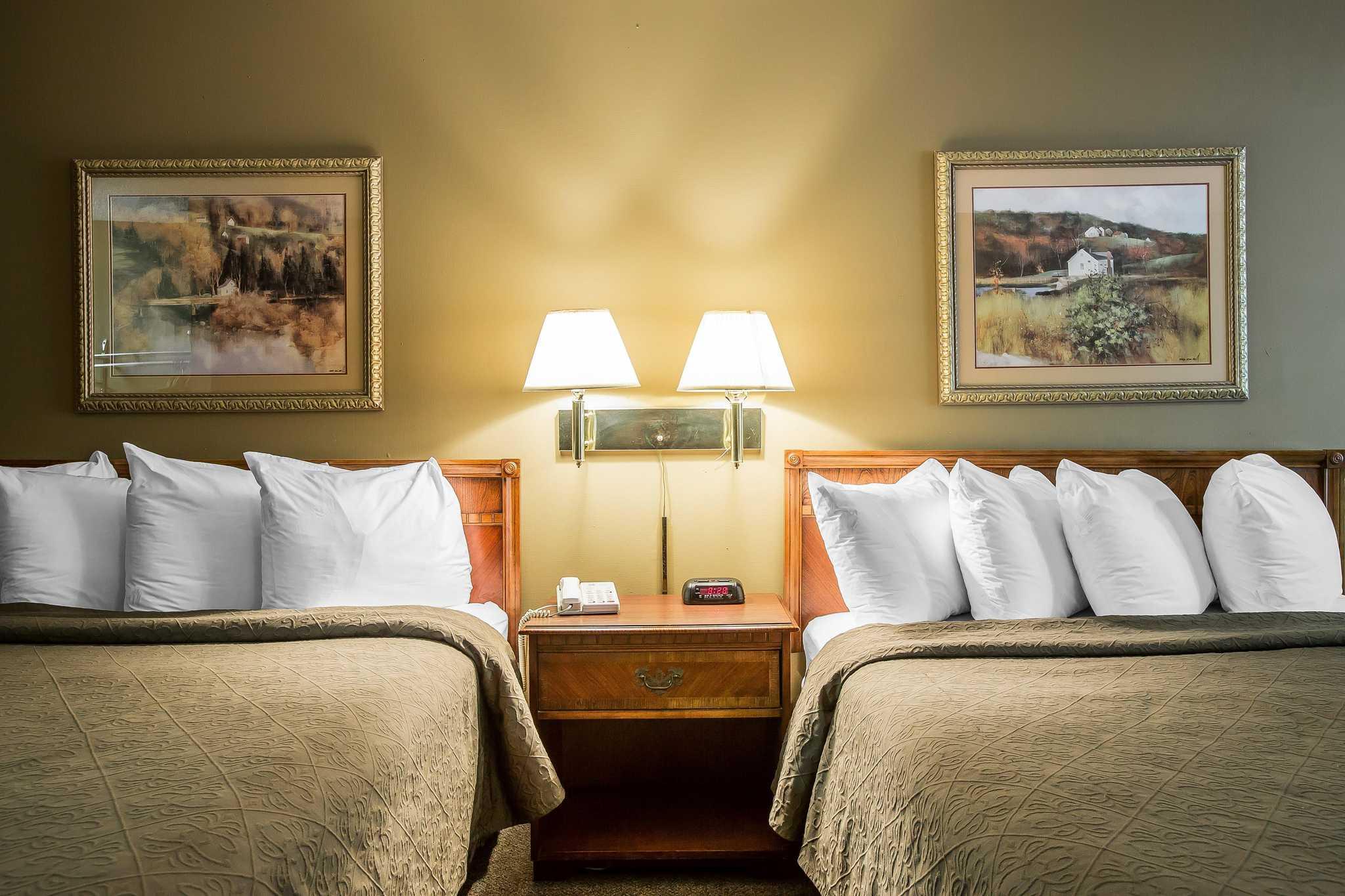 Quality Inn & Suites Mt. Chalet image 3