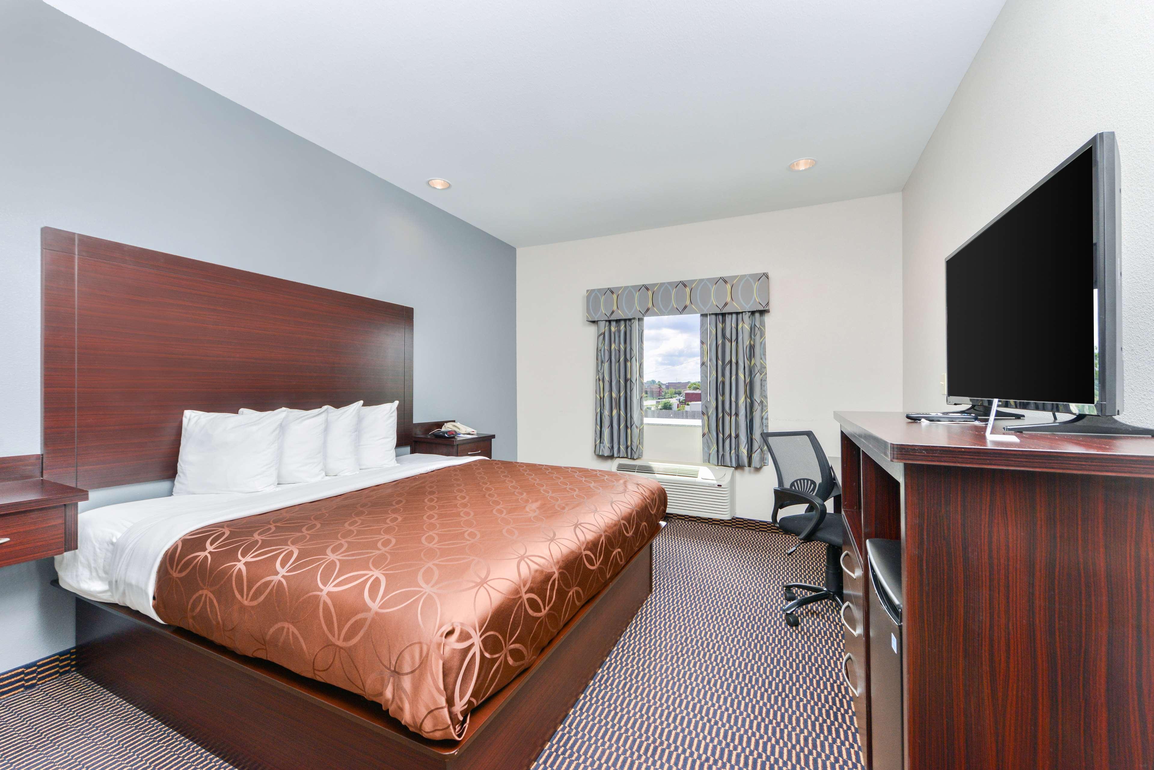 Americas Best Value Inn - Baton Rouge / College Drive image 5