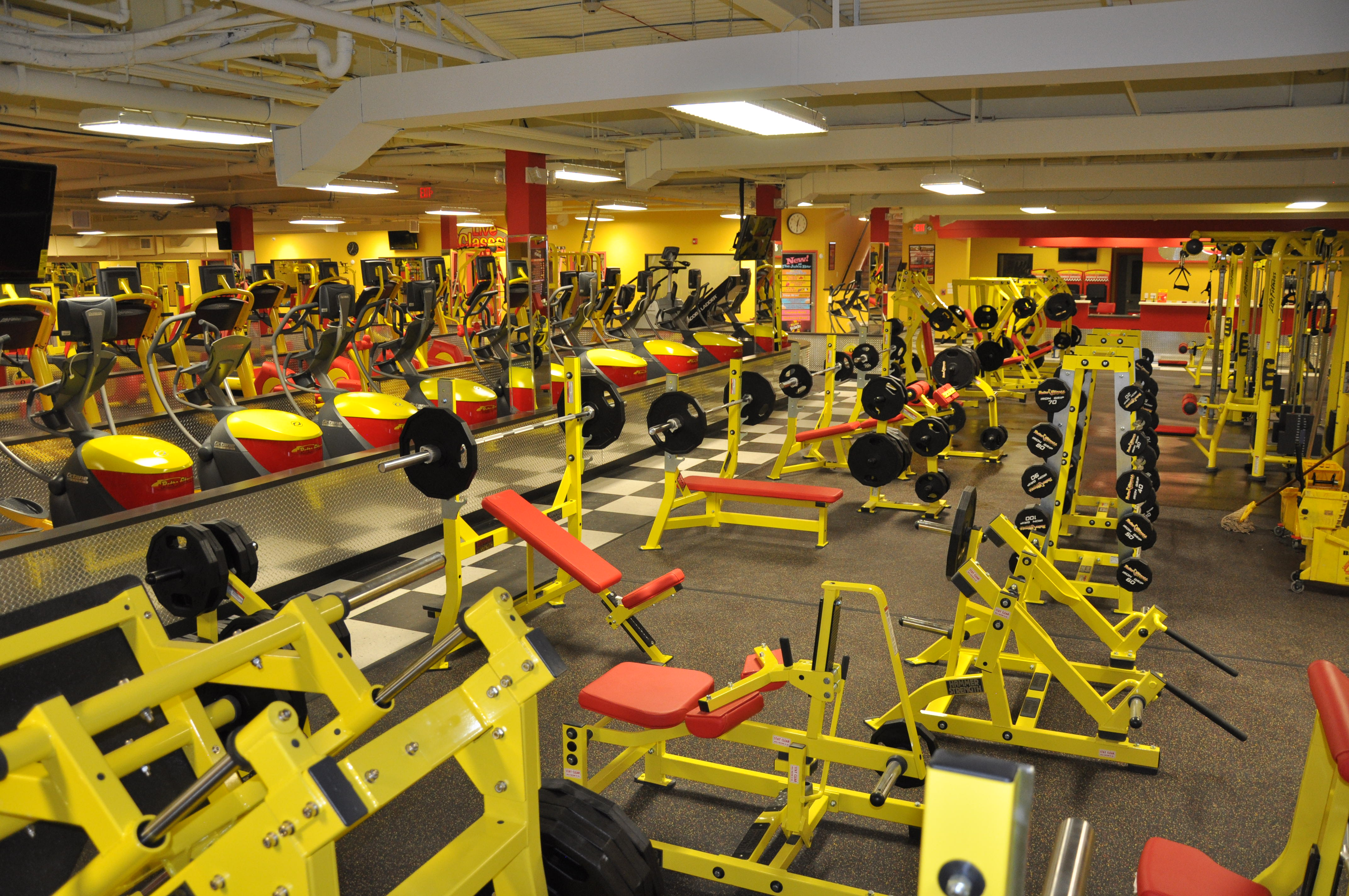 Retro Fitness of Carle Place / Westbury - Gym - Carle Place, NY 11514