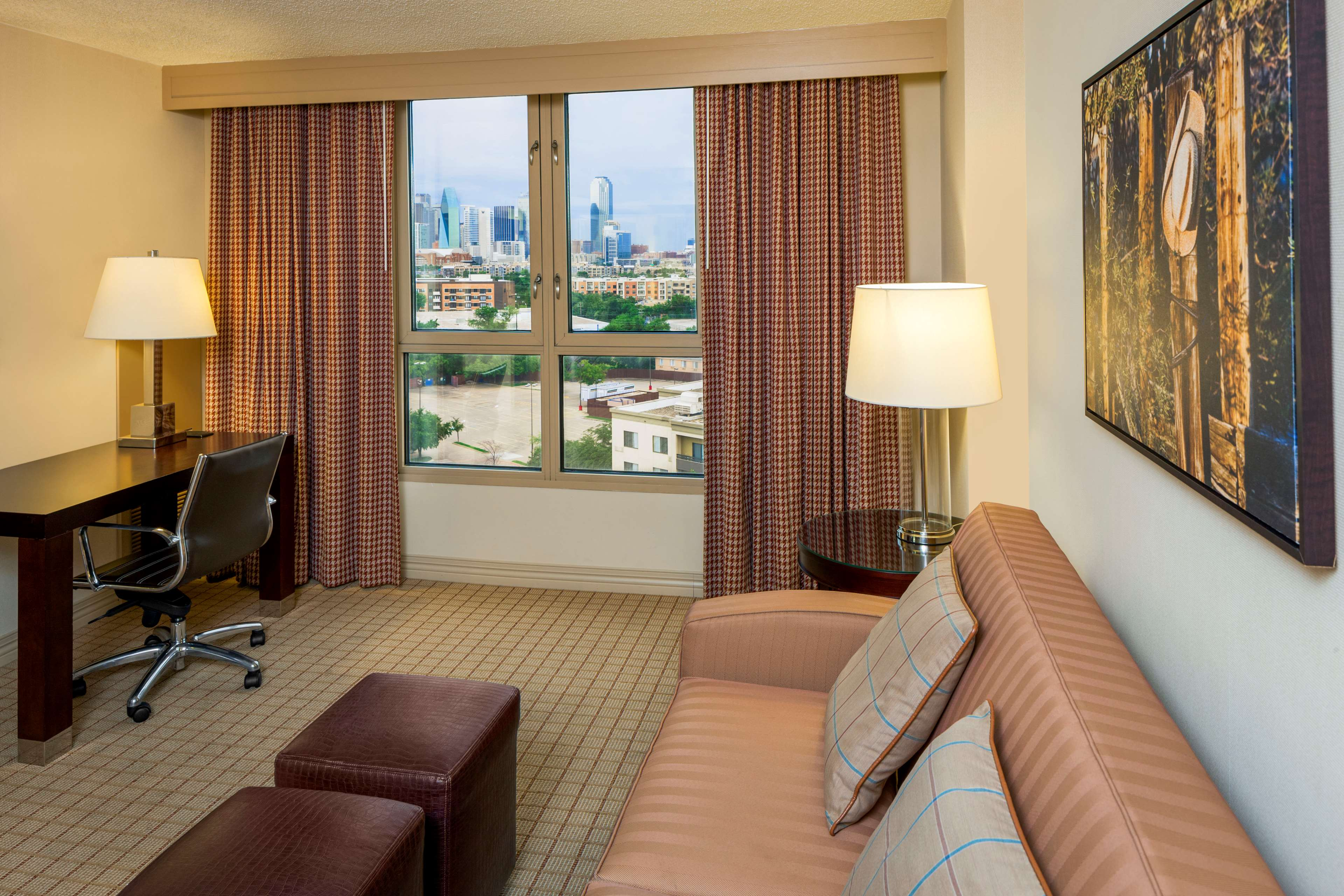 Sheraton Suites Market Center Dallas image 3