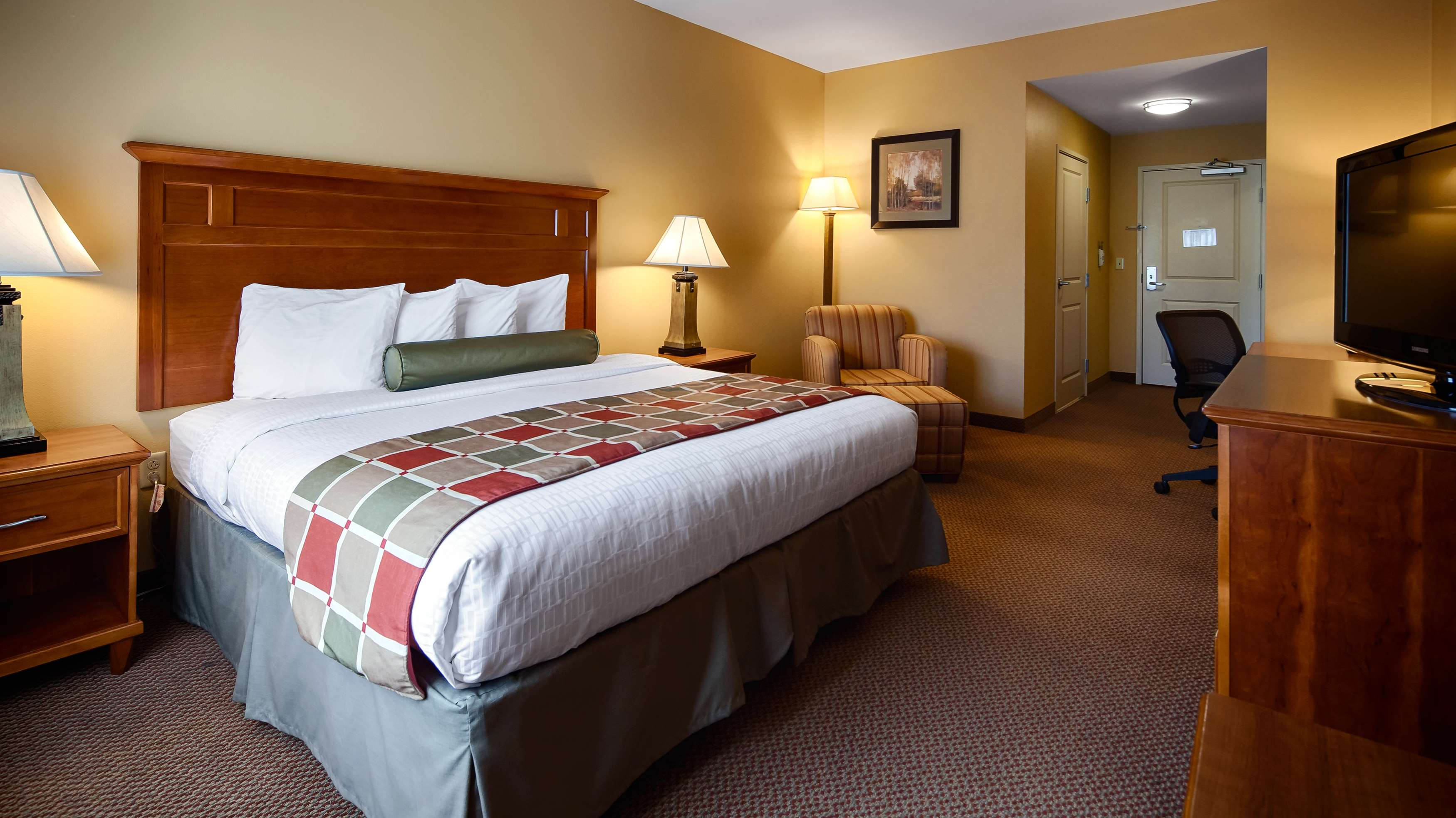Best Western Plus University Park Inn & Suites image 9