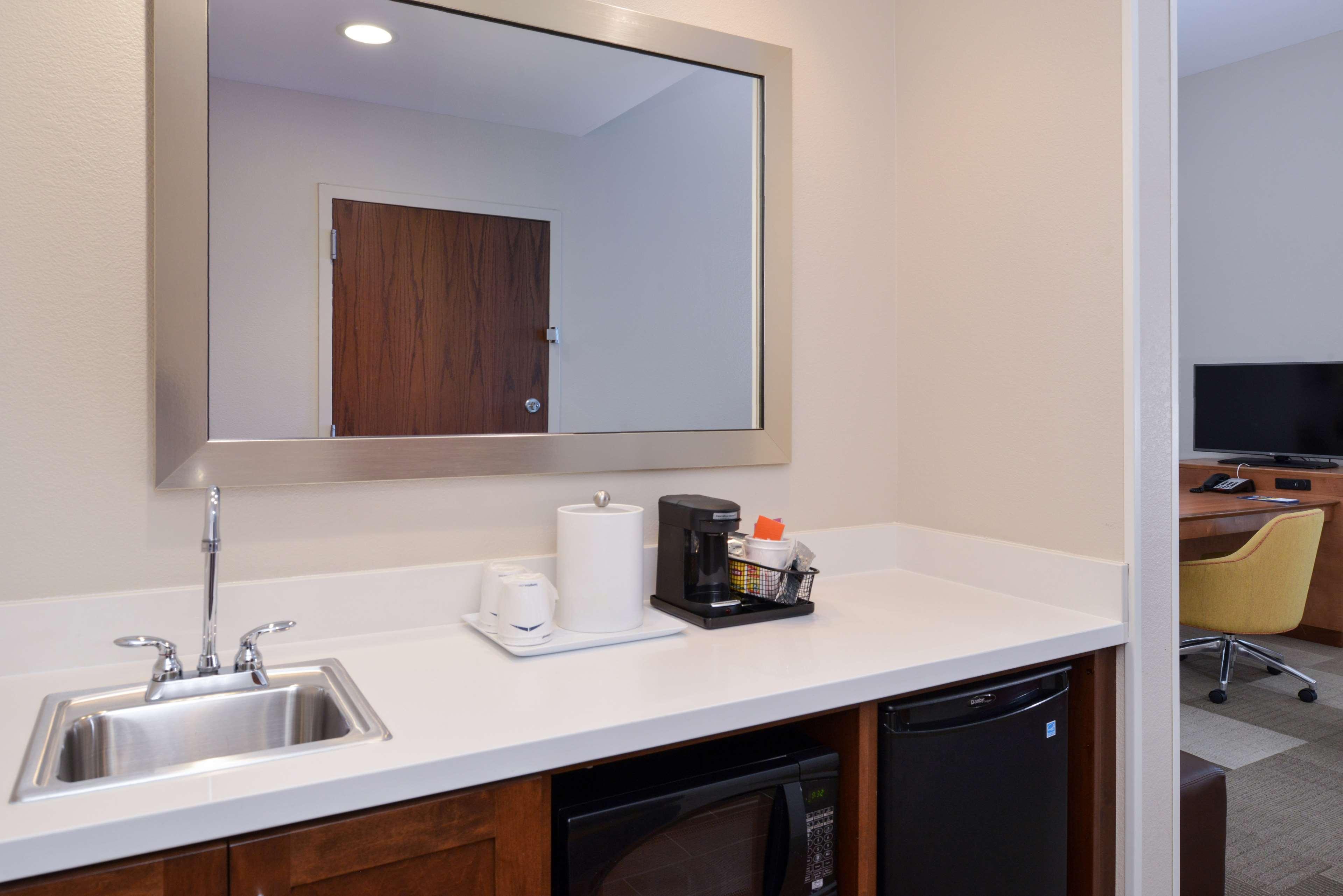 Hampton Inn & Suites Lonoke image 20