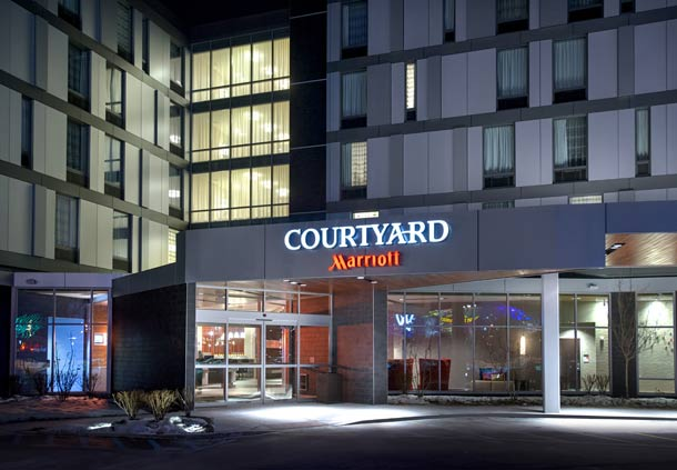 Courtyard by Marriott Philadelphia South at The Navy Yard image 2
