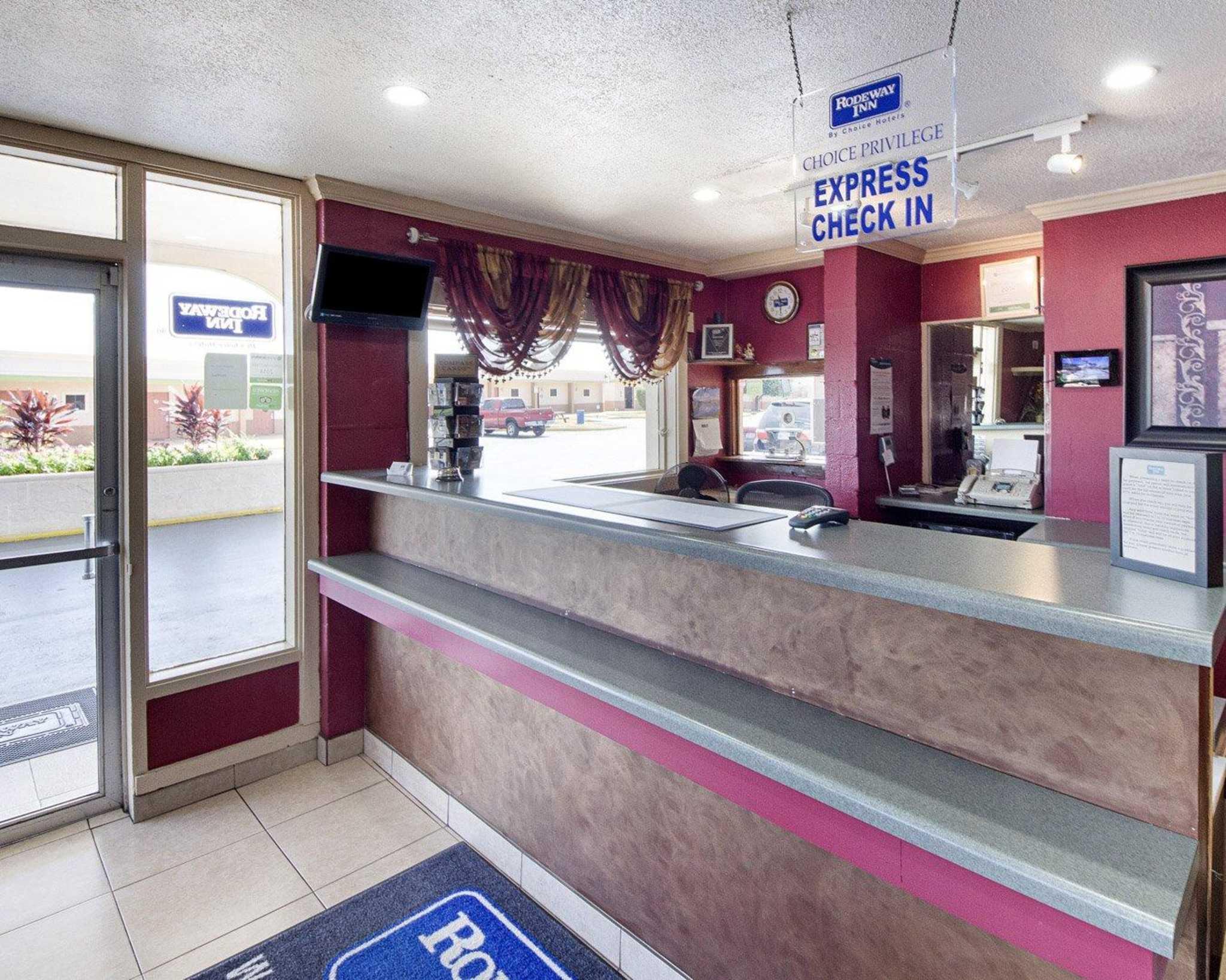 Rodeway Inn At Lackland AFB image 17