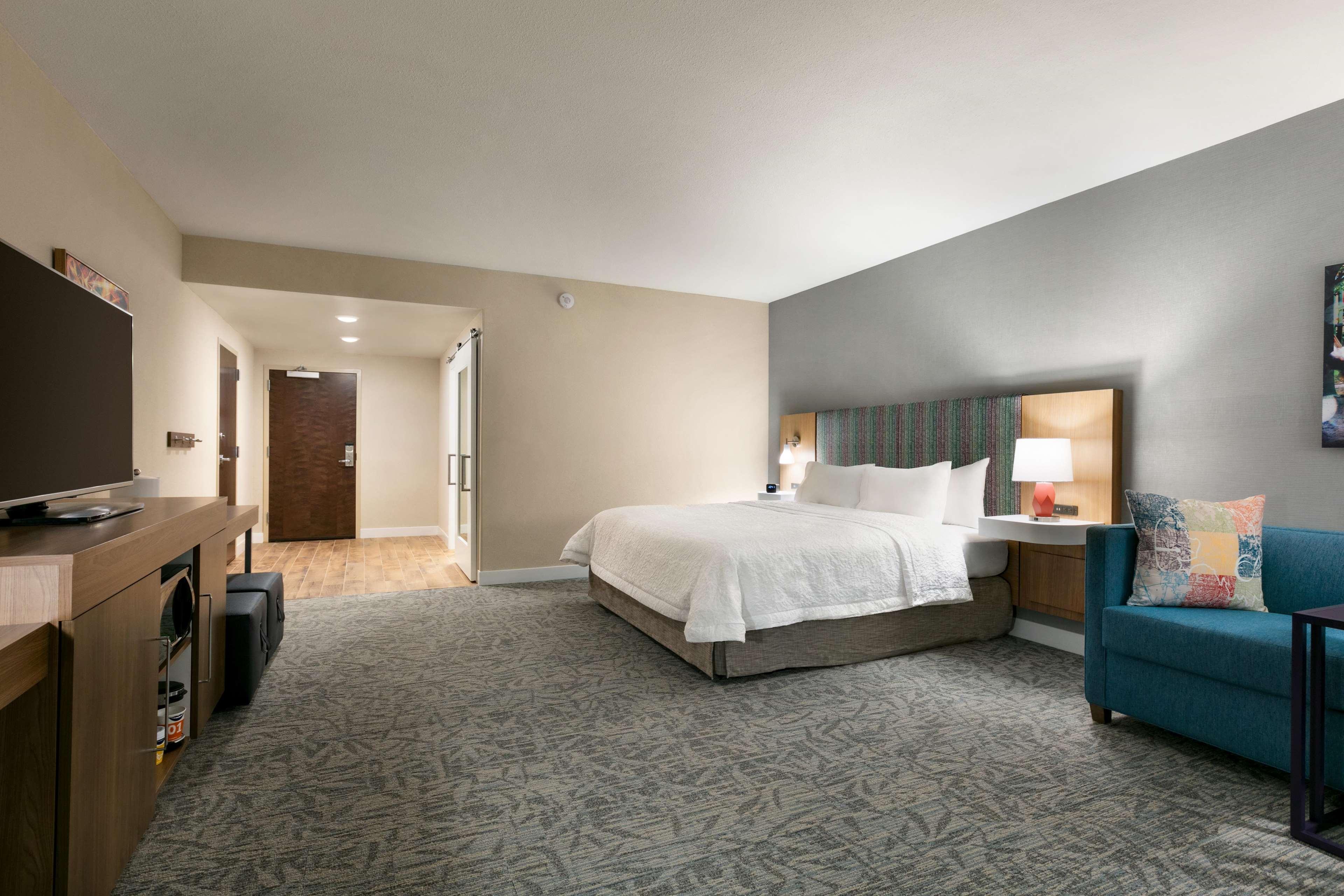 Hampton Inn and Suites Johns Creek image 38