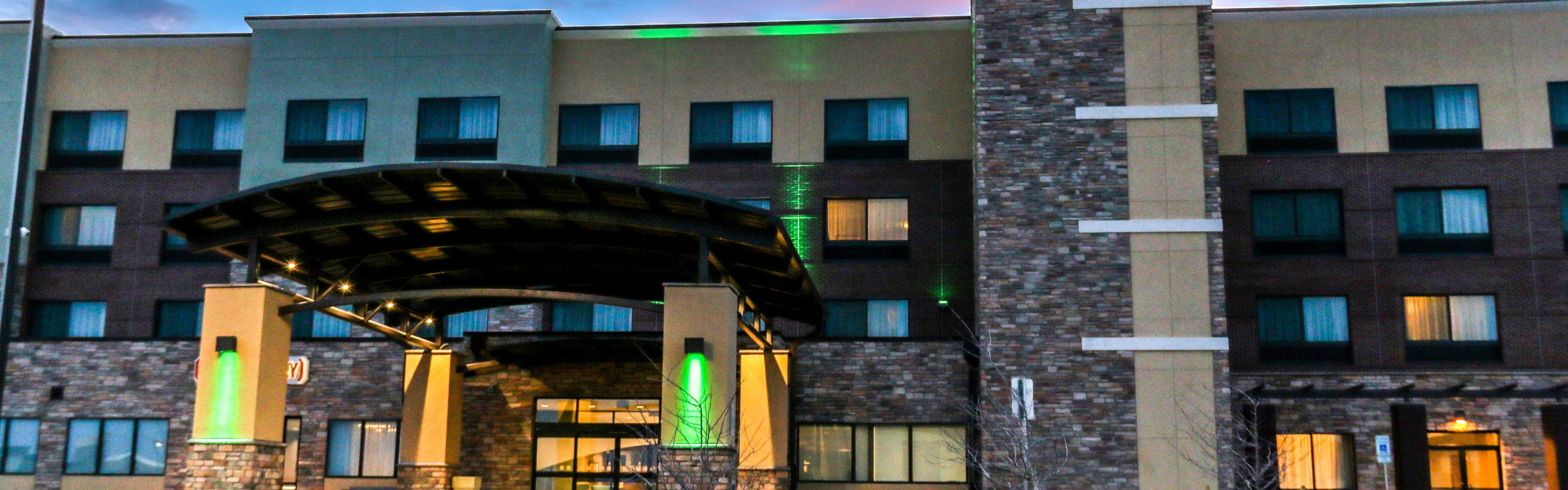 Holiday Inn & Suites Denver Tech Center-Centennial