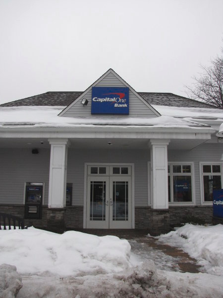 Capital one bank in port washington ny 516 944 4 for Port washington ny