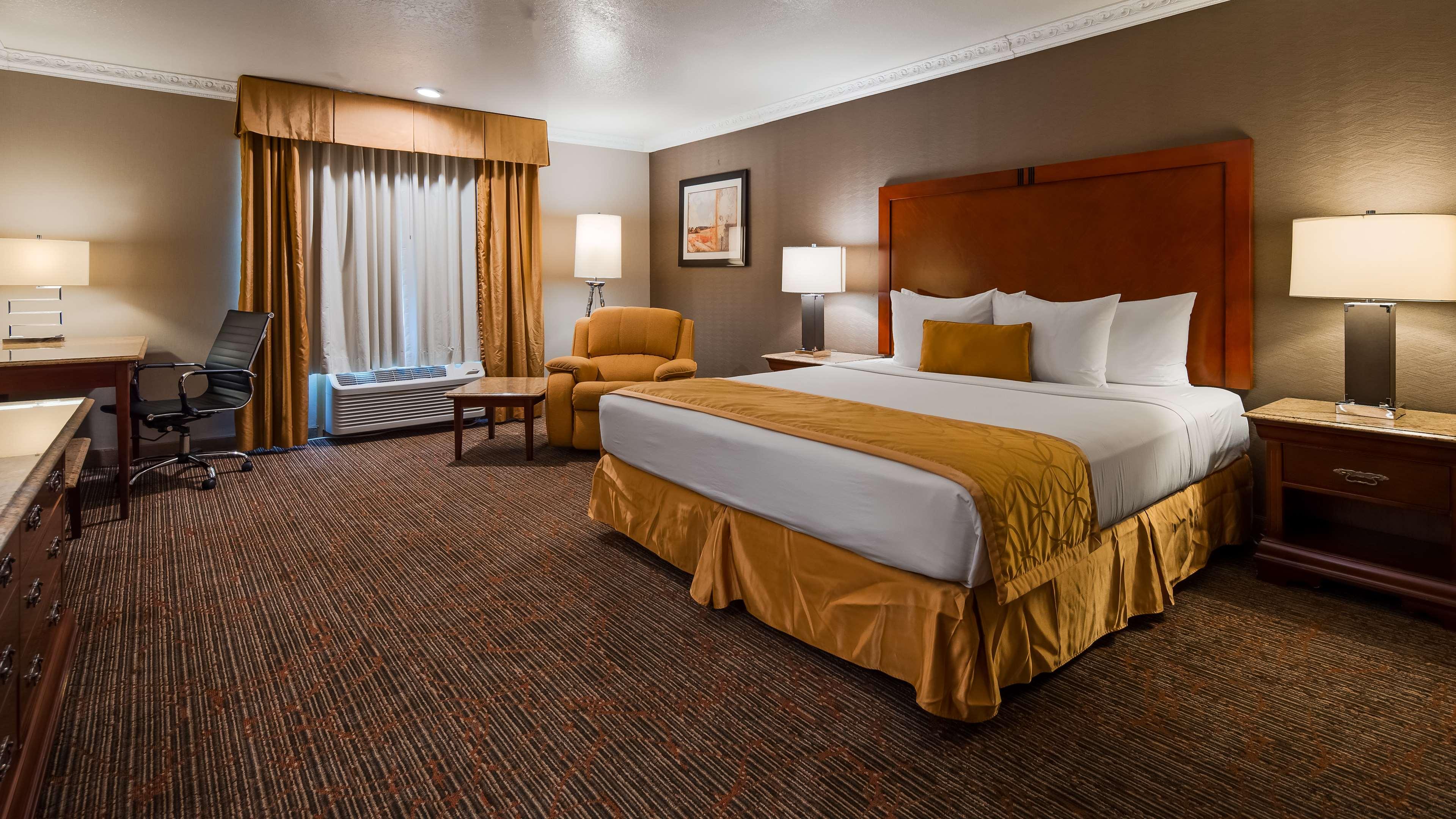 Best Western Plus Newport Mesa Inn image 7