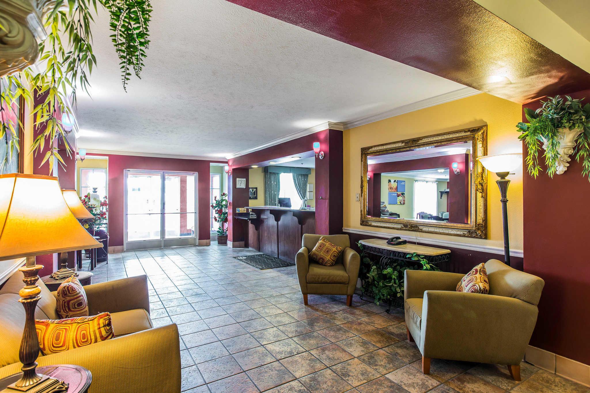 Comfort Inn & Suites El Centro I-8 image 5