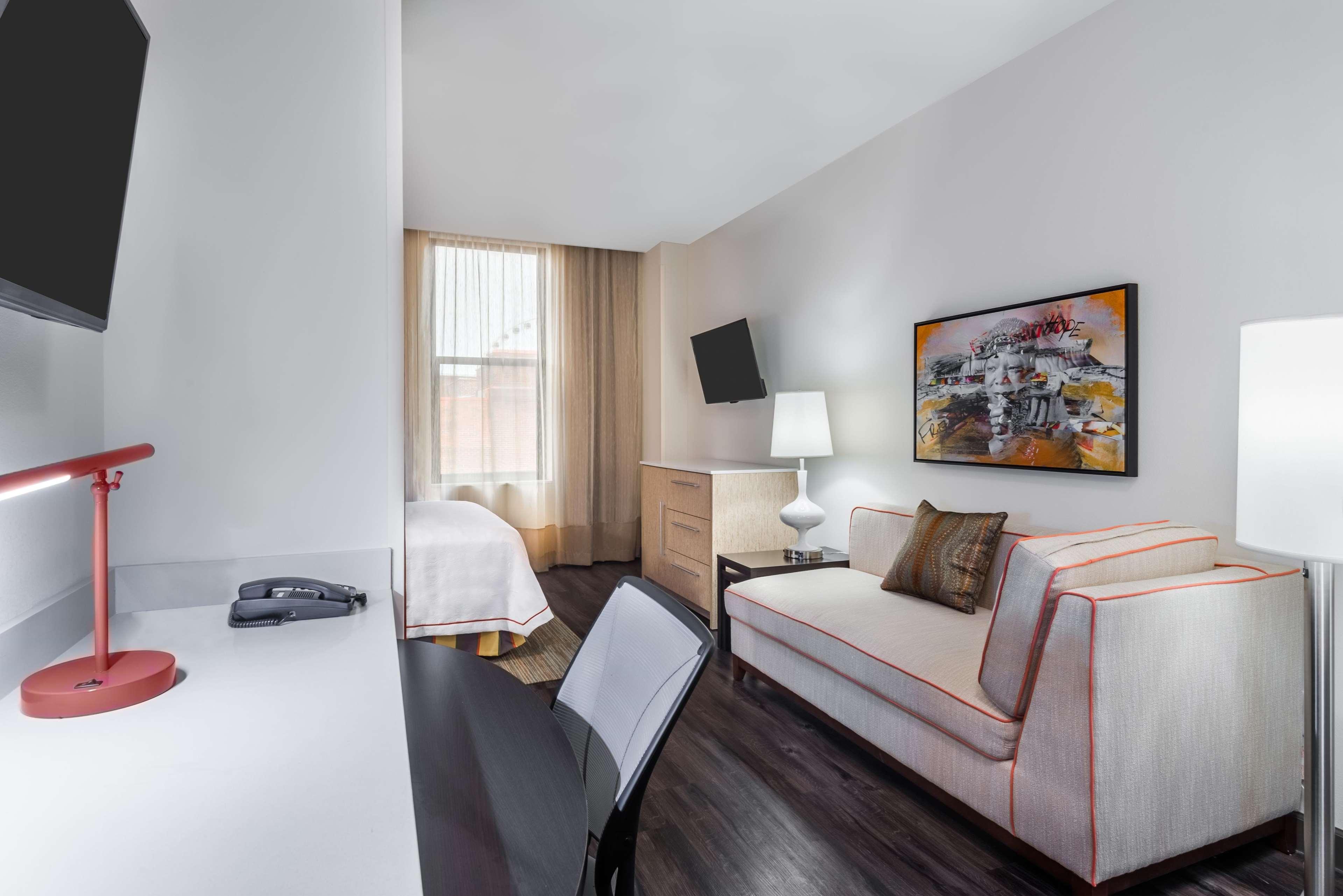 Home2 Suites by Hilton Atlanta Downtown image 1