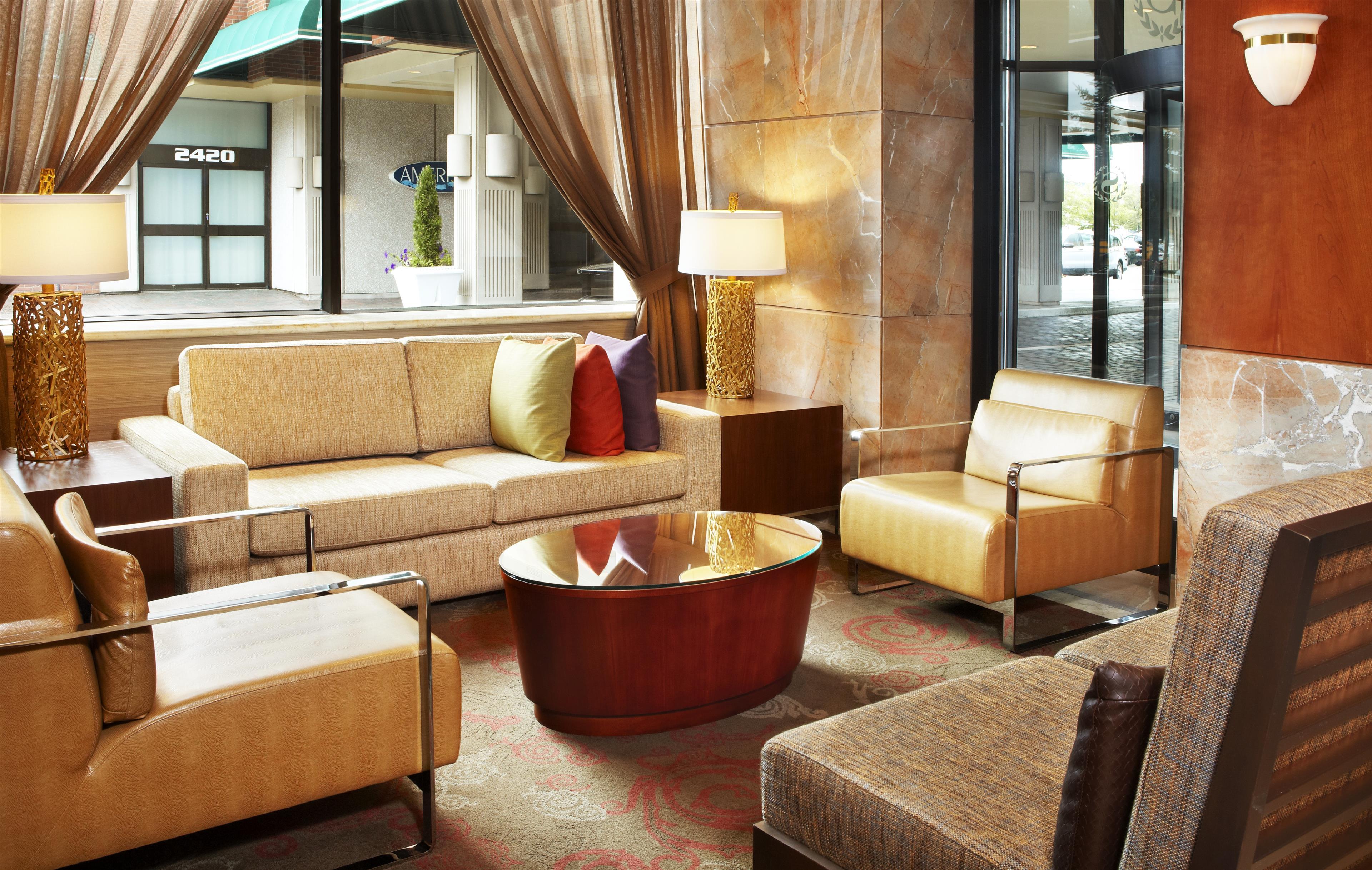Sheraton Laval Hotel à Laval: Lobby Salon