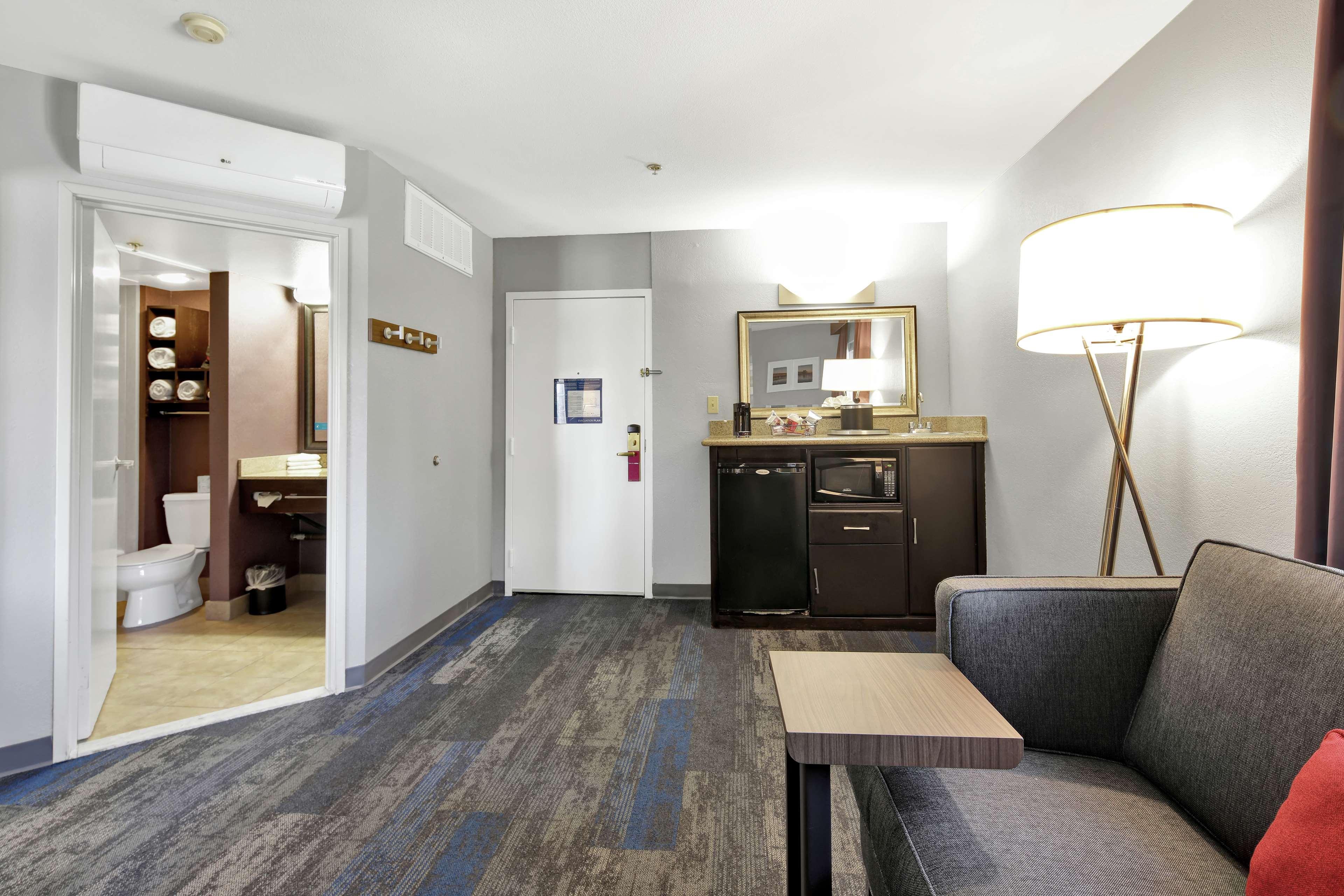 Hampton Inn & Suites Santa Ana/Orange County Airport in Santa Ana, CA, photo #36