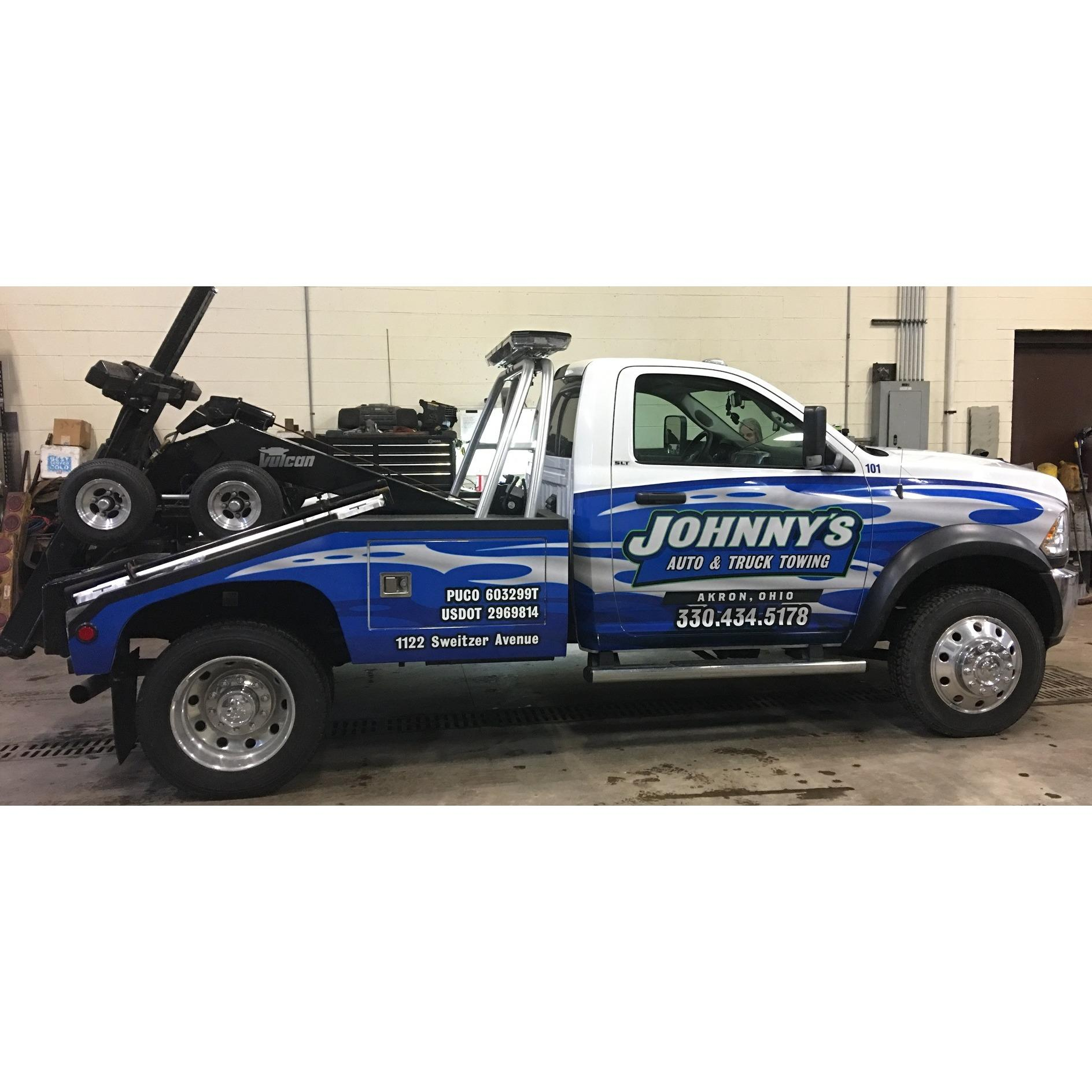 Johnny's Auto & Truck Towing