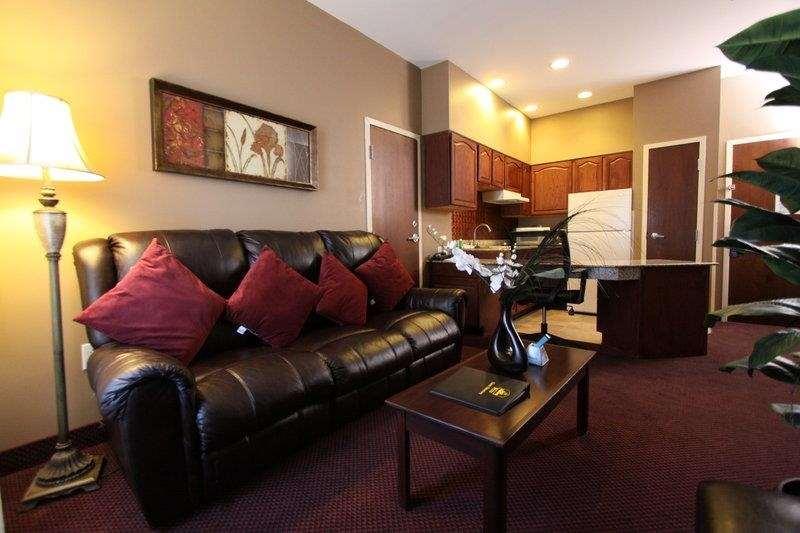 Best Western Plus Hannaford Inn & Suites image 35