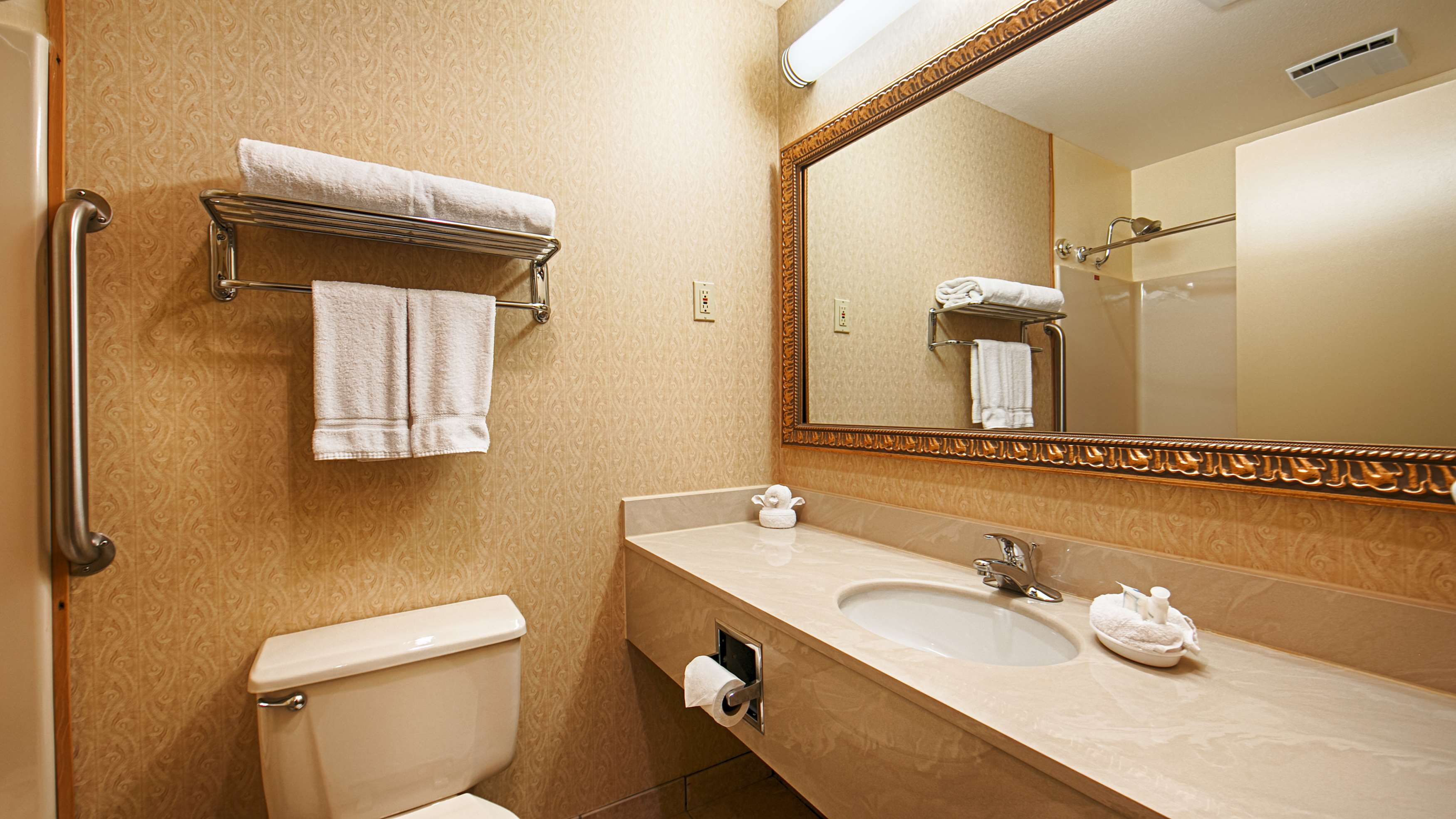 Best Western Inn & Suites image 14