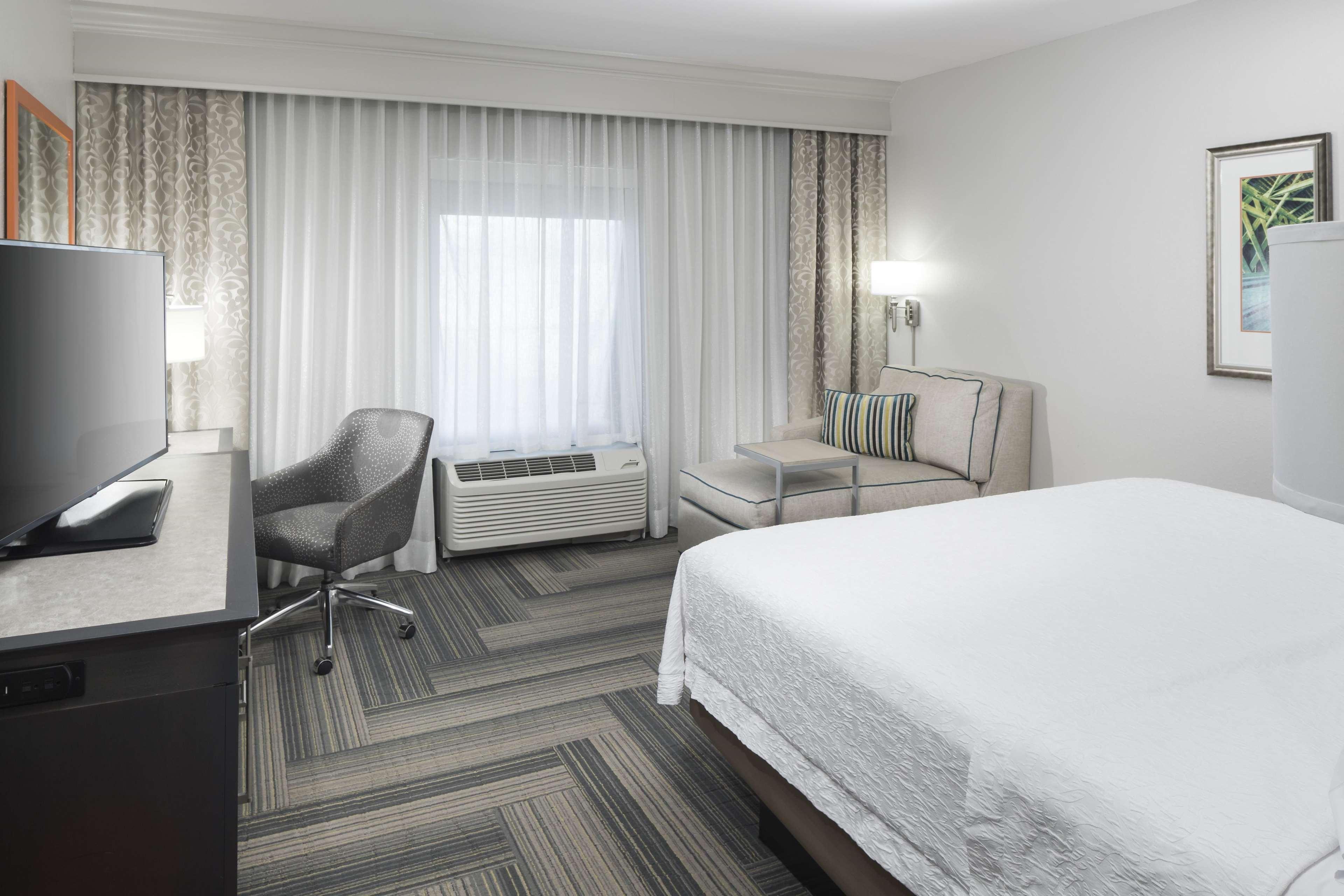 Hampton Inn & Suites by Hilton Atlanta Perimeter Dunwoody image 30