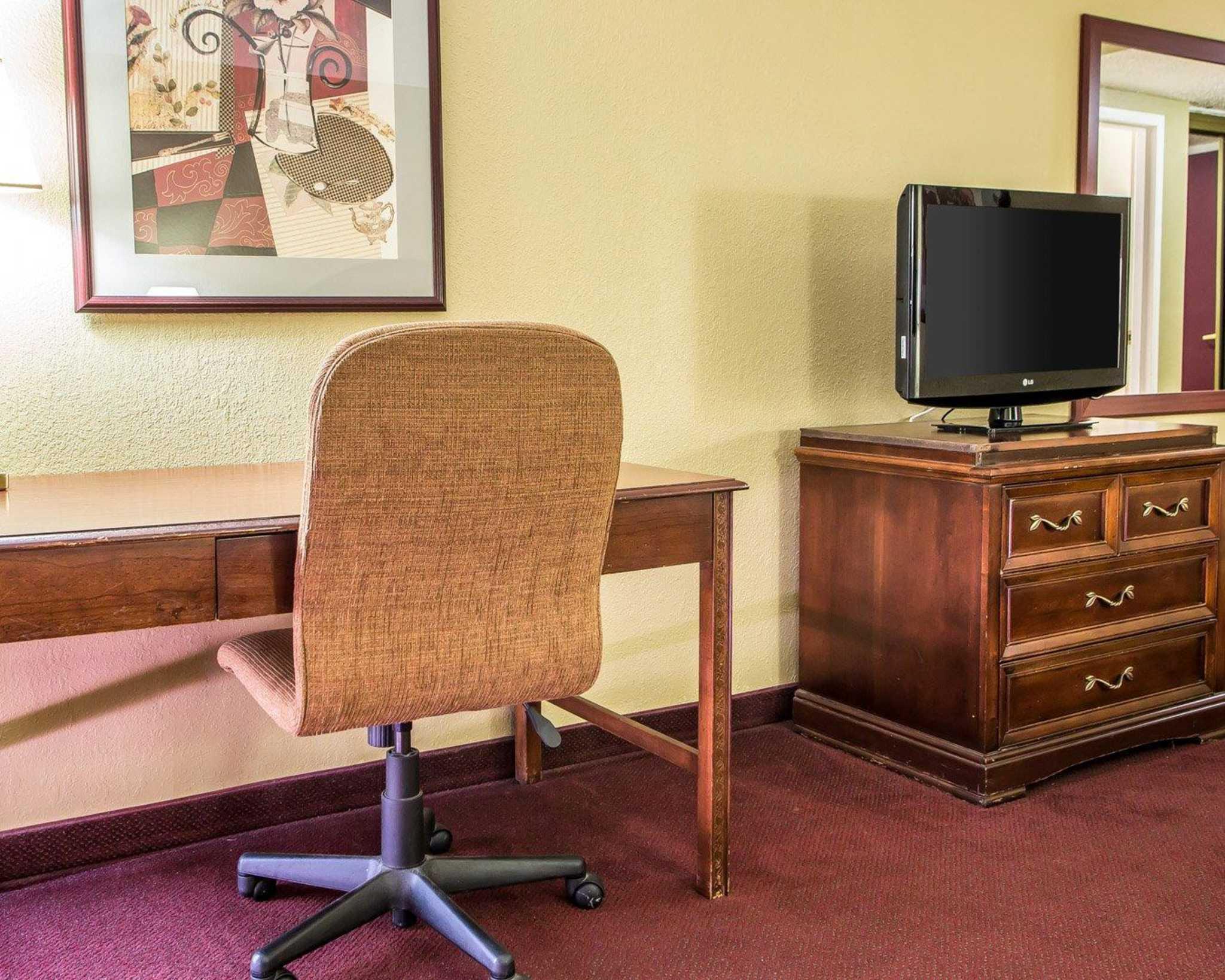 Clarion Hotel Highlander Conference Center image 8