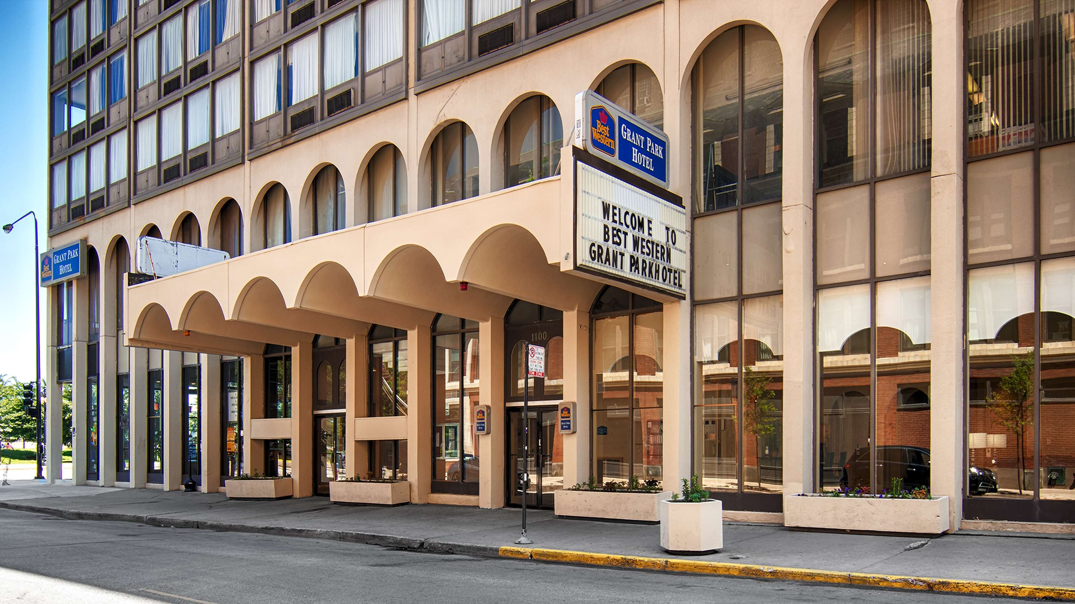 Best western grant park hotel chicago il company for Hotels 60657
