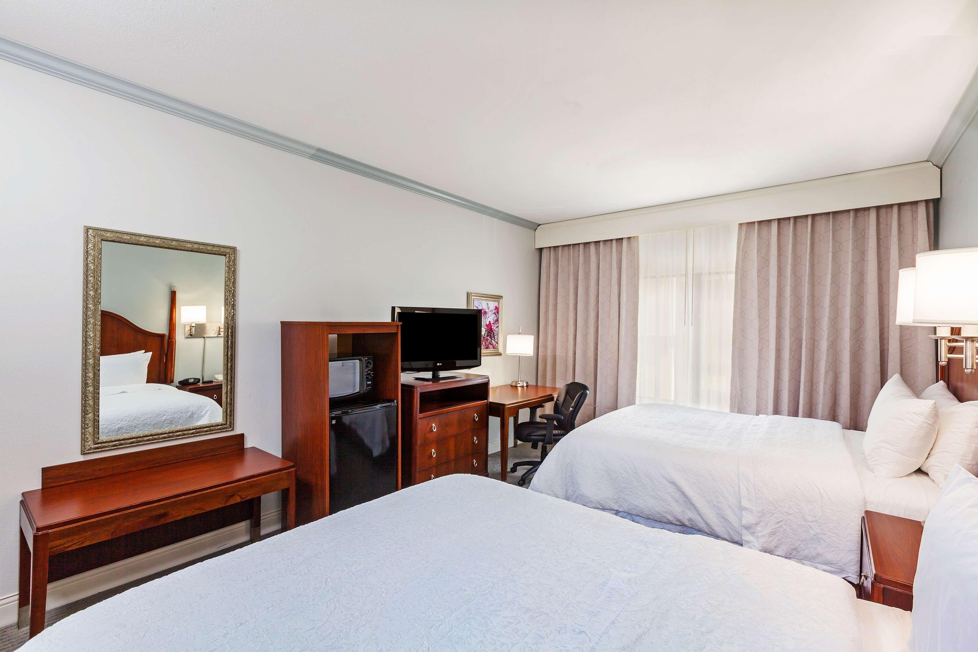 Hampton Inn & Suites Houston-Westchase image 25