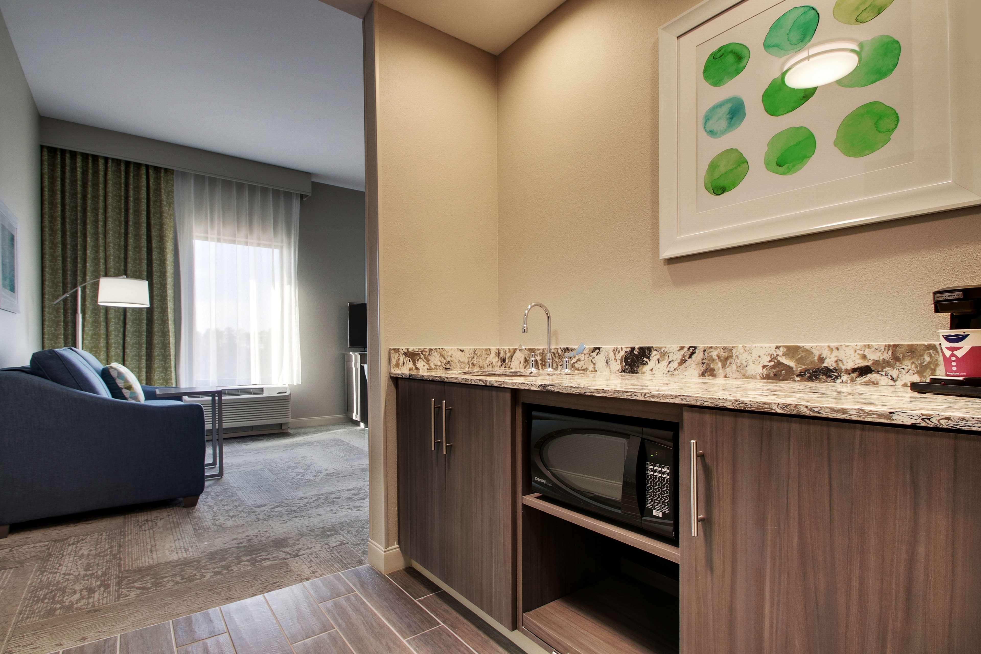 Hampton Inn & Suites Knightdale Raleigh image 36