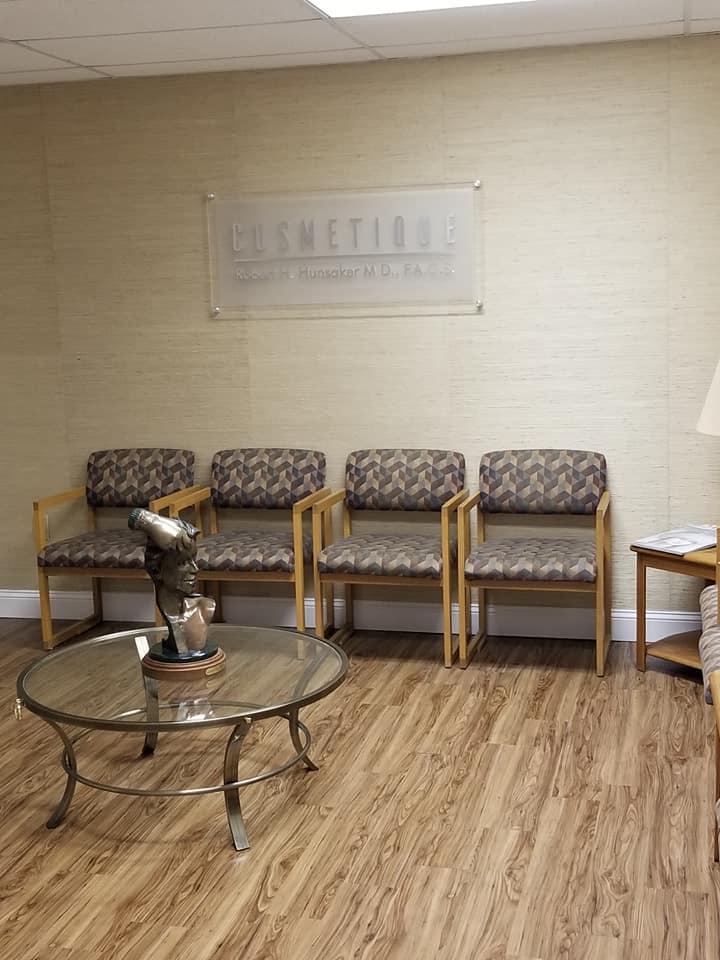 Cosmetique Cosmetic Surgery Center image 2
