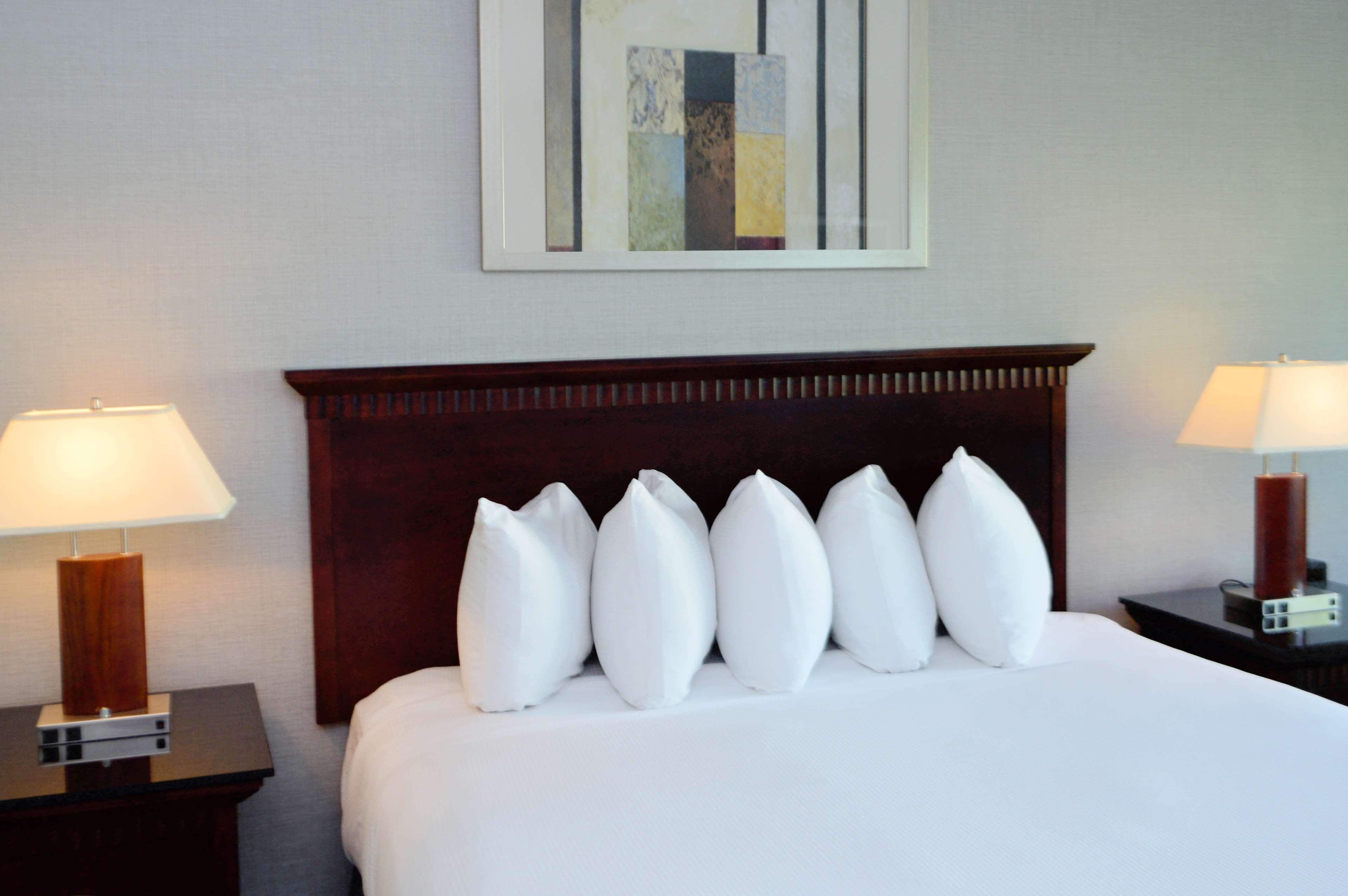 DoubleTree by Hilton Hotel Newark - Fremont image 31