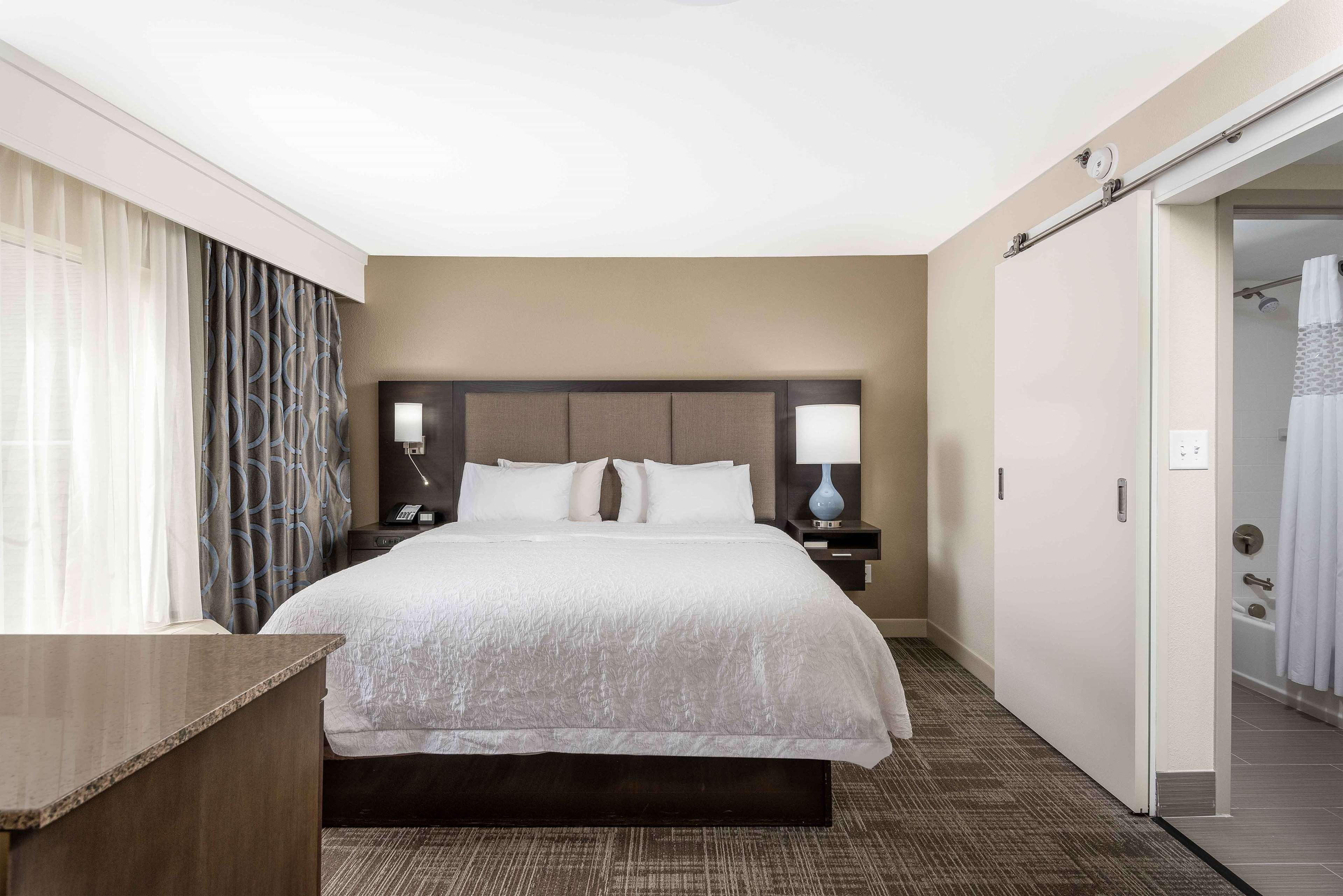 Hampton Inn & Suites Chapel Hill/Durham, Area image 18