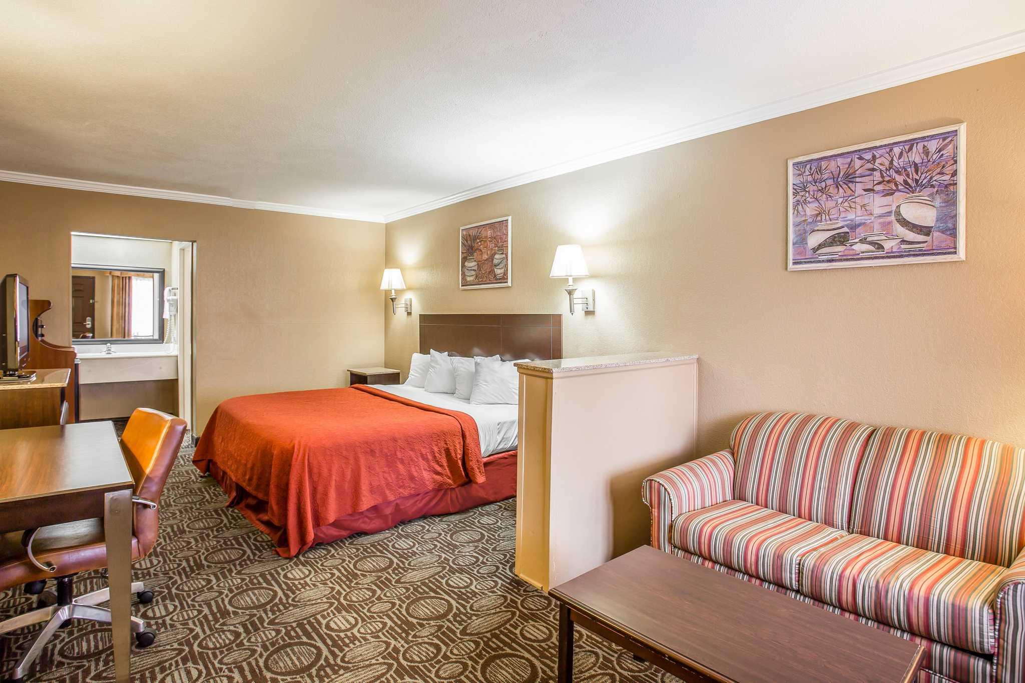 Quality Inn & Suites Ft. Jackson Maingate image 7