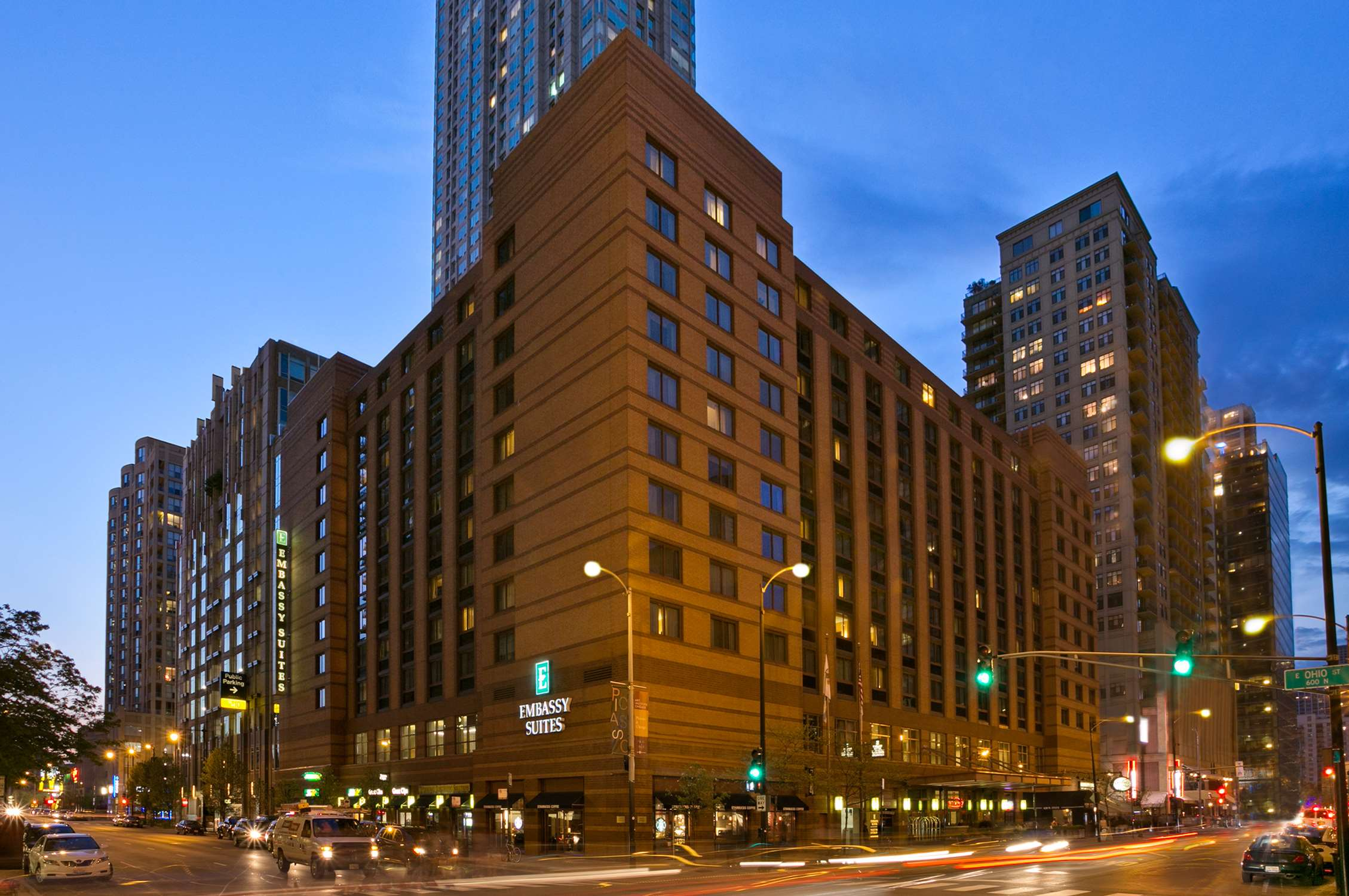 Embassy Suites by Hilton Chicago Downtown image 0