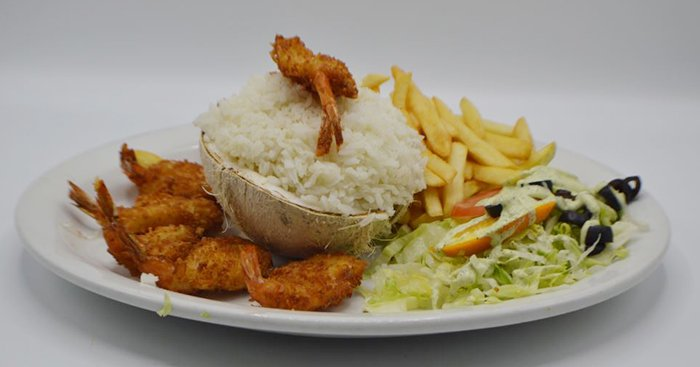 El Pelicano Restaurant & Lounge image 0