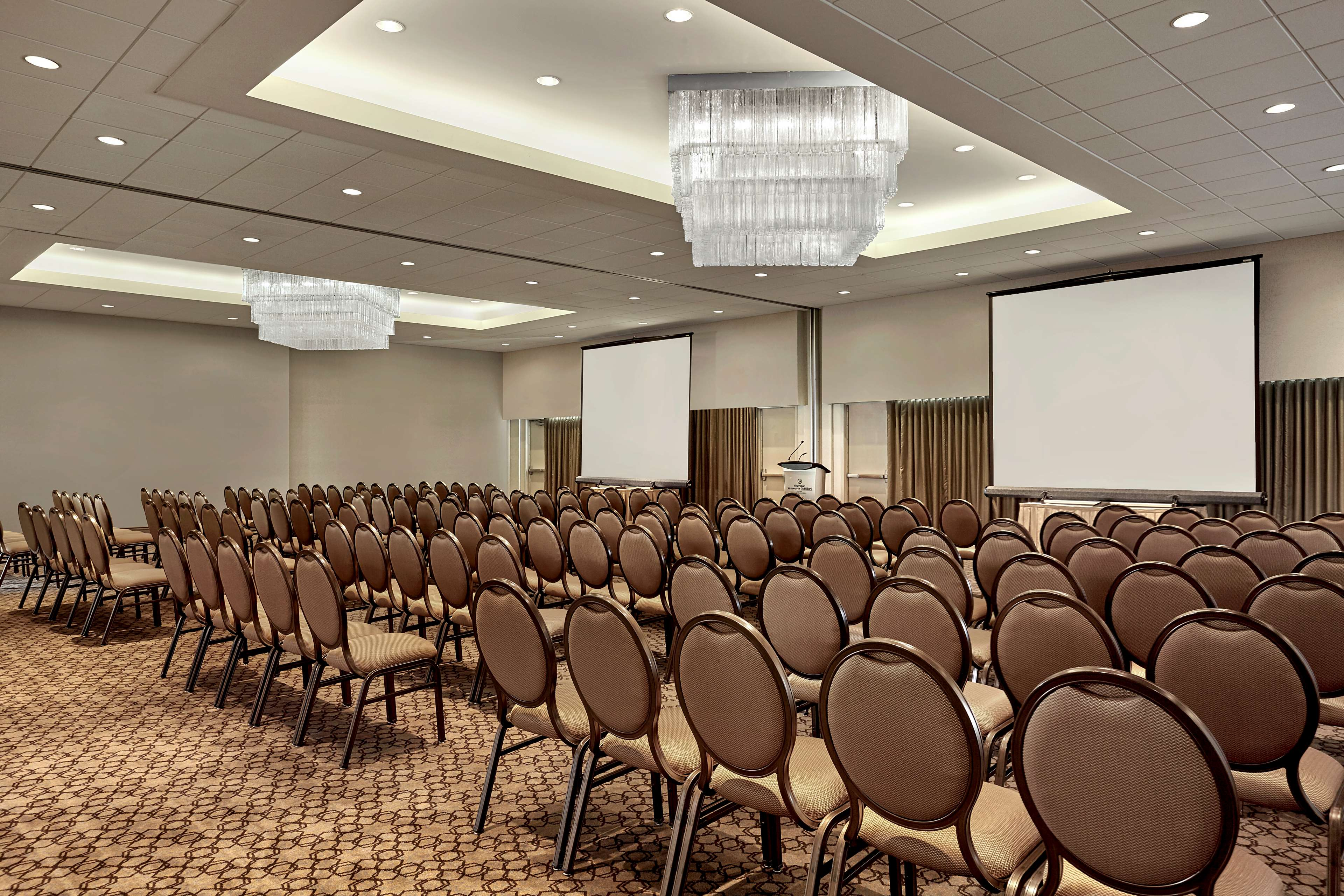 Sheraton Vancouver Guildford Hotel in Surrey: Tynehead Ballroom in Theatre Setup