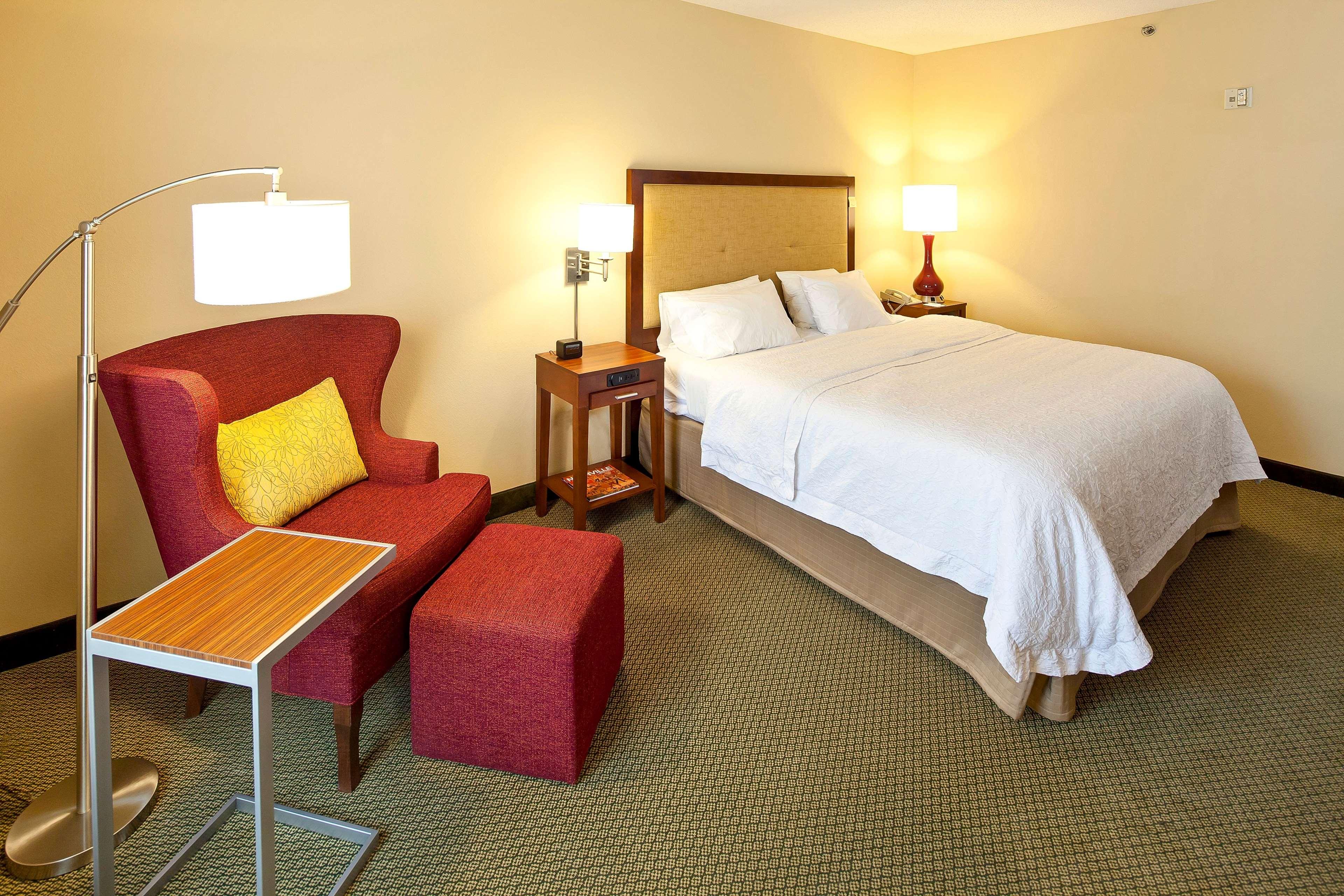 Hampton Inn & Suites Nashville-Green Hills image 32