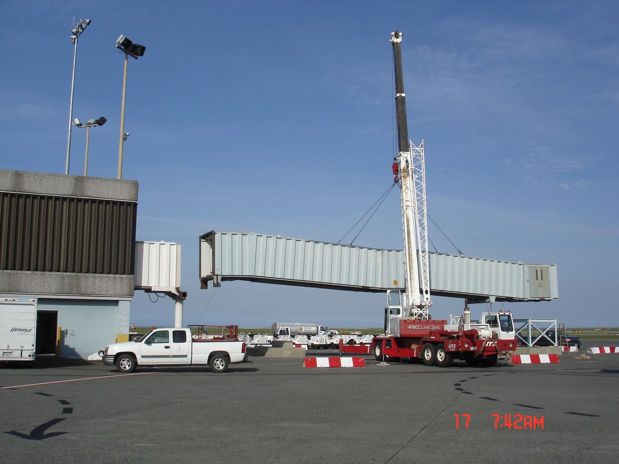 Litz Crane Service Ltd in Port Coquitlam